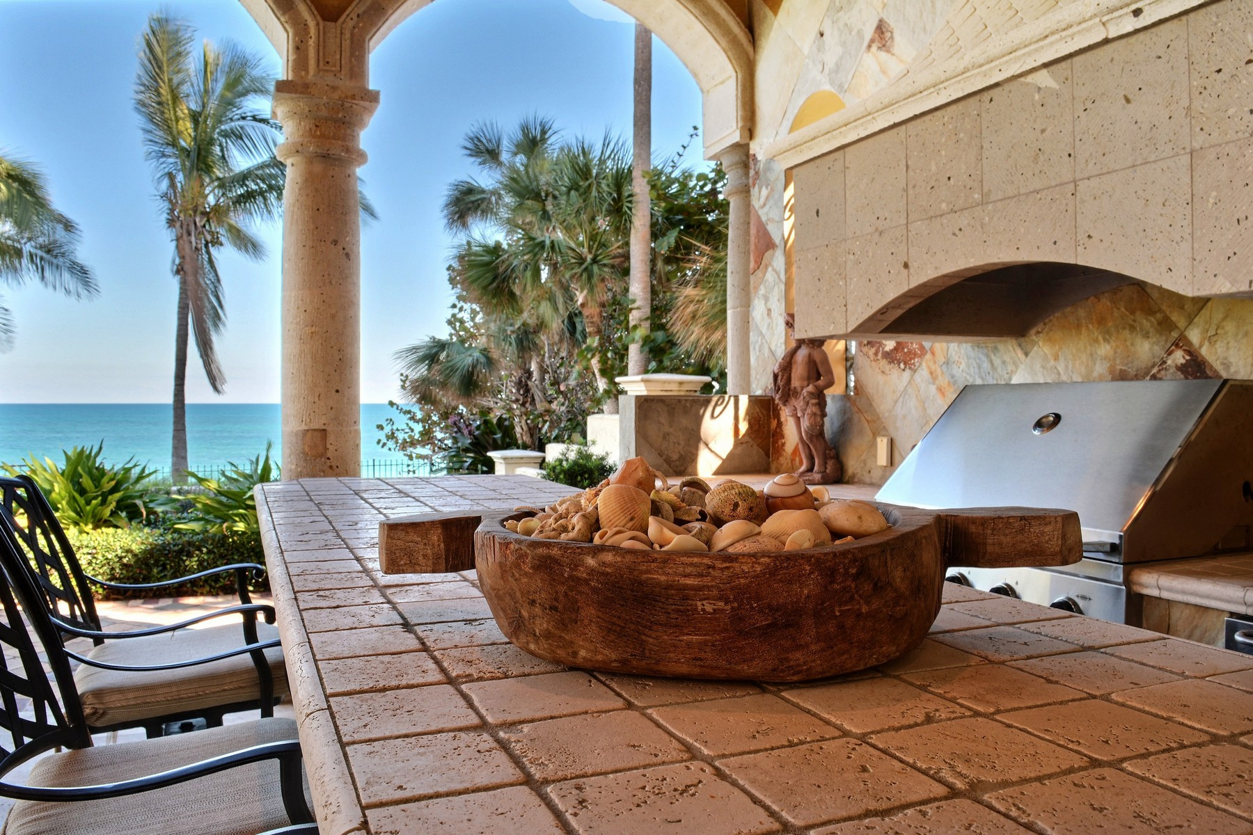 Additional photo for property listing at Mediterranean Oceanfront Masterpiece! 3620 Ocean Drive Vero Beach, Florida 32963 United States