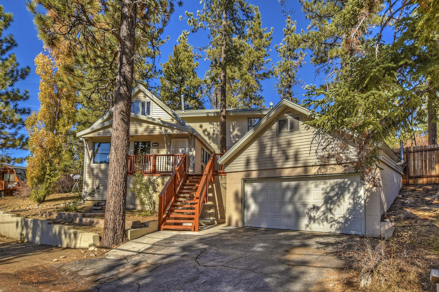 Single Family Homes for Sale at 737 Silver Tip Drive, Big Bear Lake, California, 92315 737 Silver Tip Drive Big Bear Lake, California 92315 United States