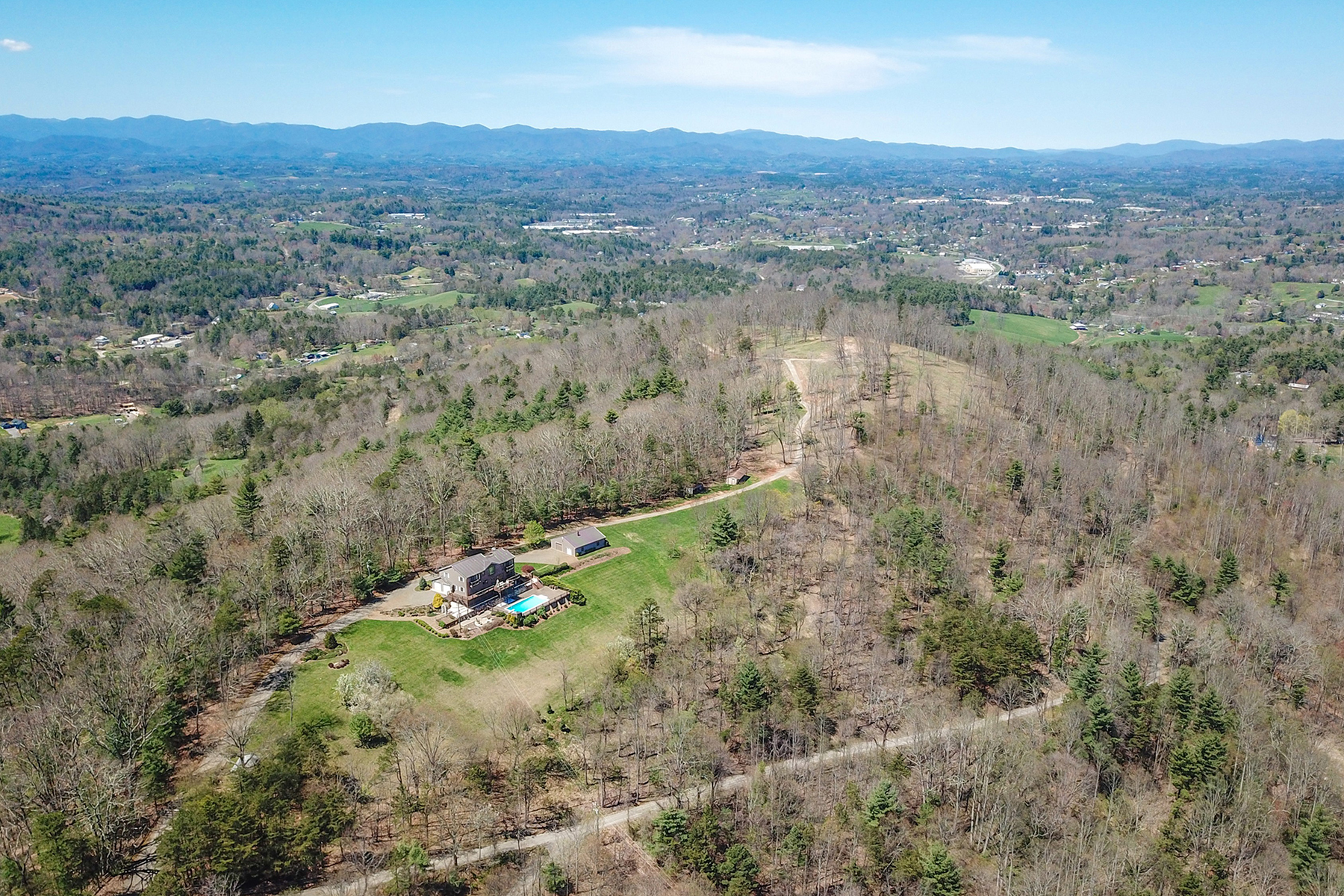 Single Family Homes for Active at WEAVERVILLE 83 Cozy Mountain Ln Weaverville, North Carolina 28787 United States