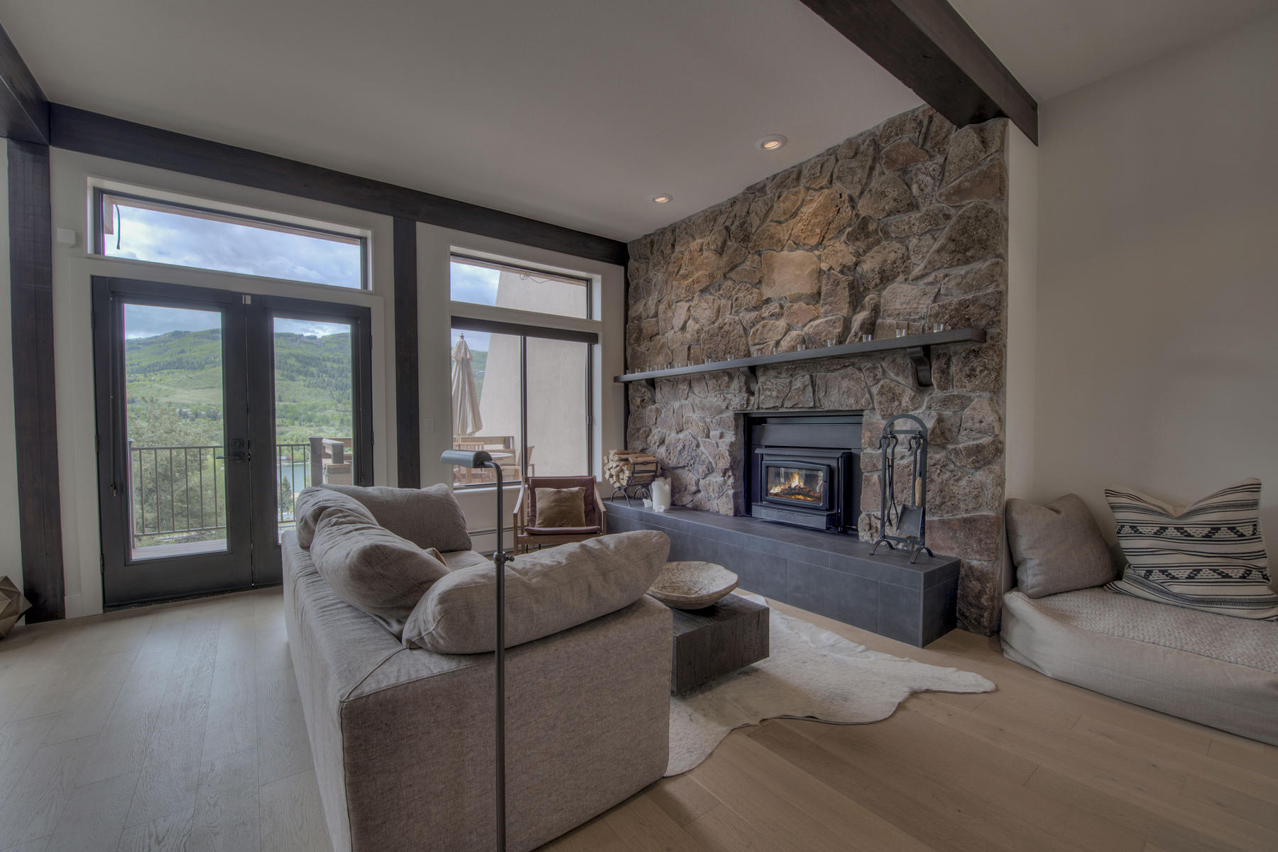 townhouses for Active at Chambertin Townhome #13 440 Nottingham Road #13 Avon, Colorado 81620 United States
