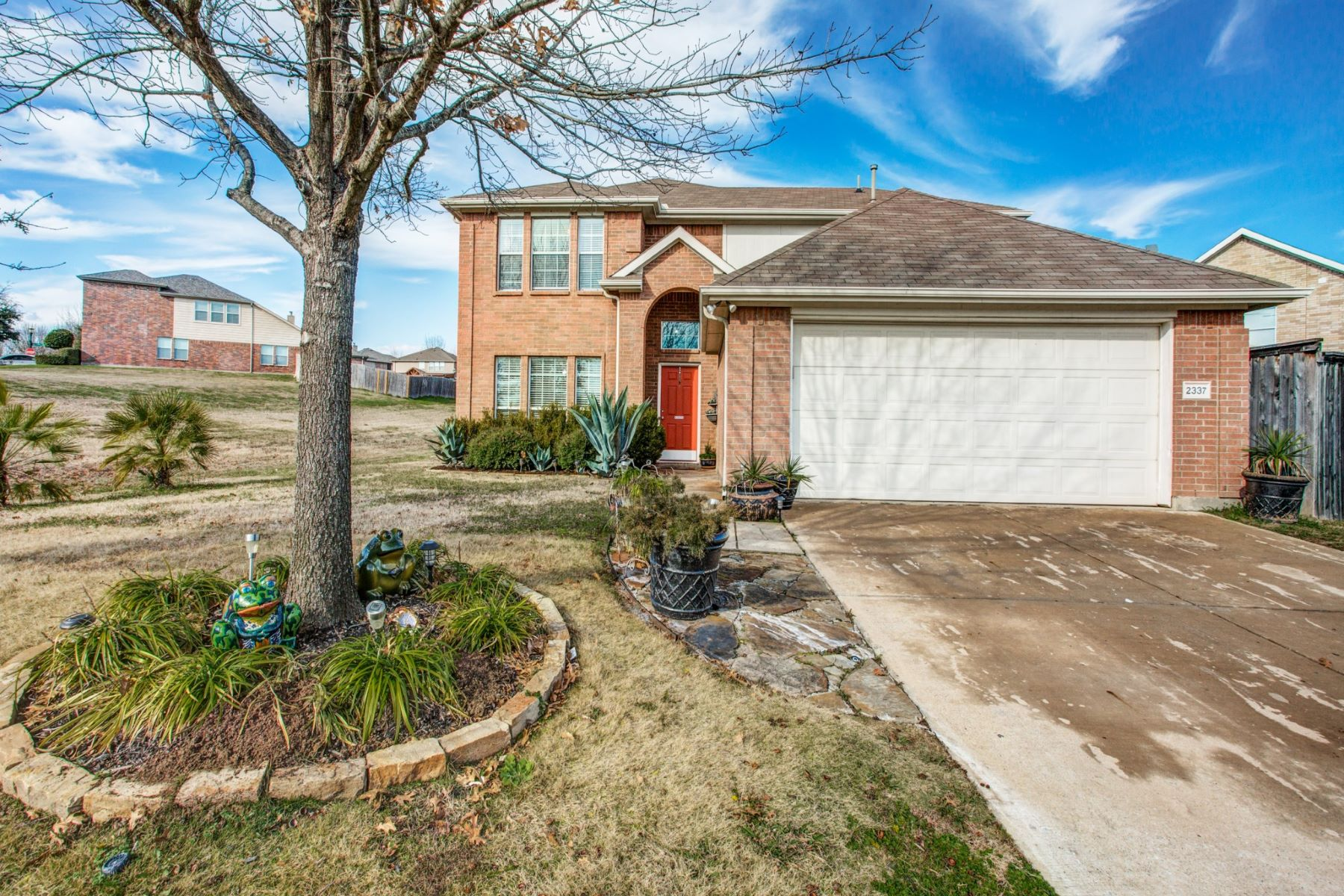 Single Family Homes for Active at Mesquite Traditional 2337 Hummingbird Way Mesquite, Texas 75181 United States