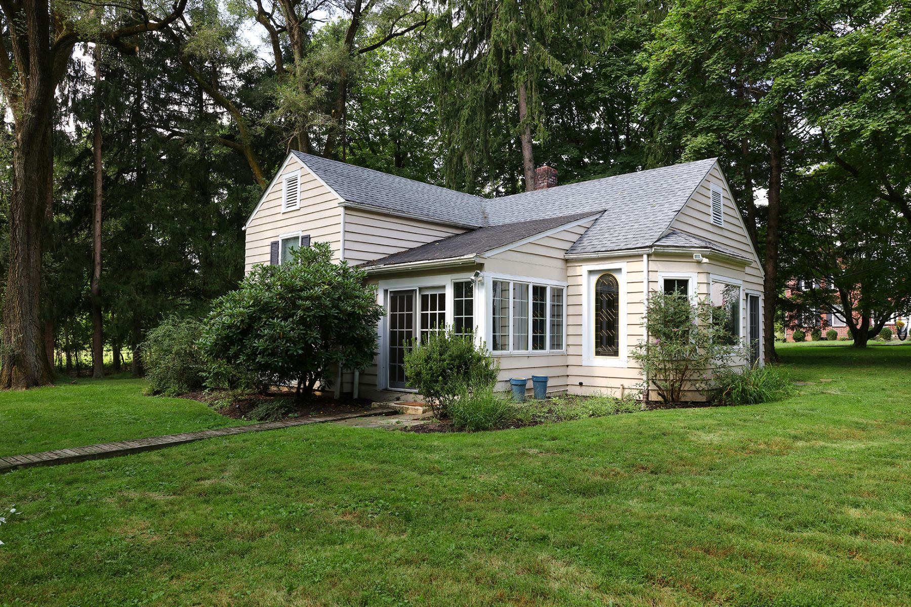 Single Family Home for Sale at Charming Country Cottage And Mini Farm 107 Hopewell Wertsville Road, Hopewell, New Jersey 08525 United States