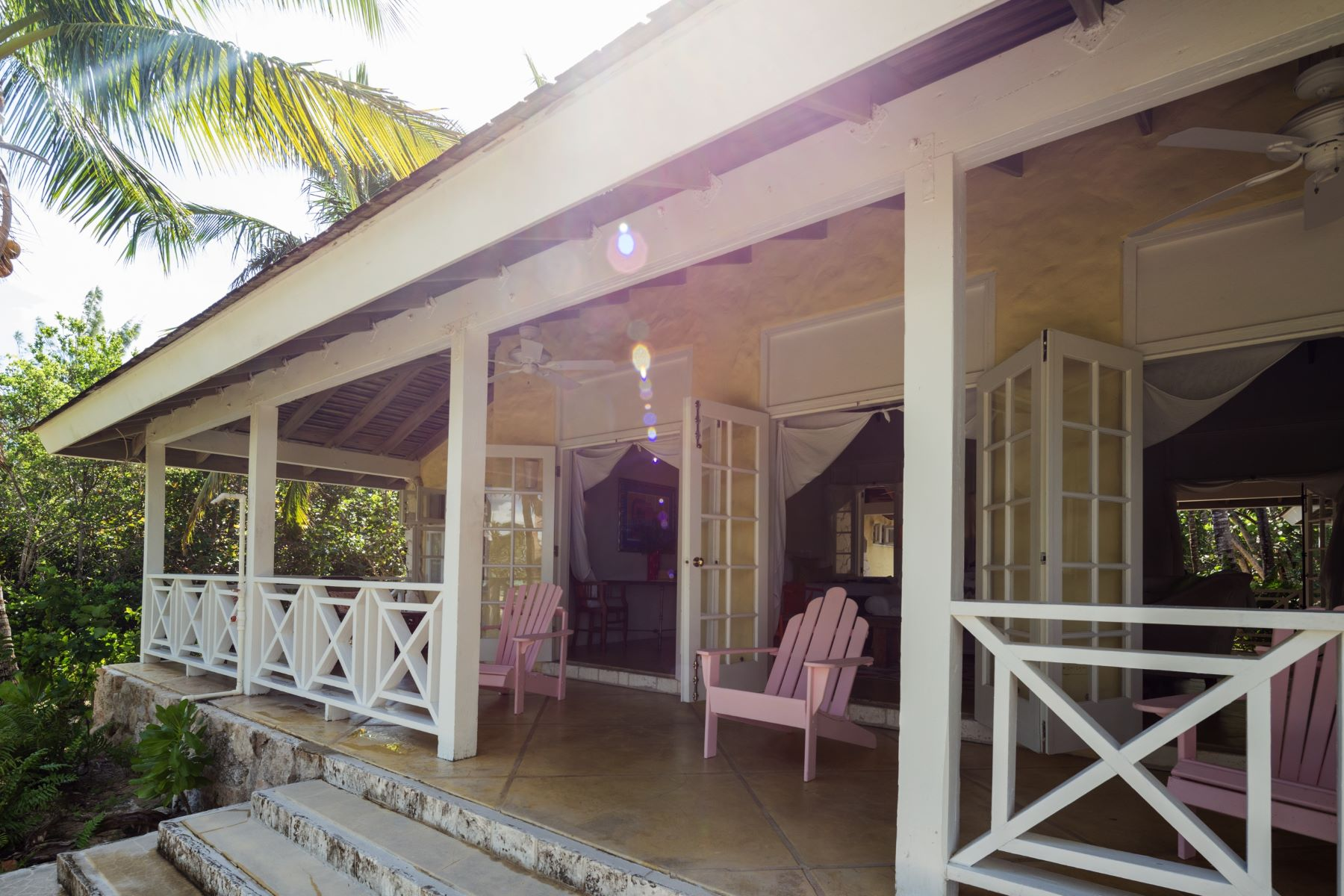 Additional photo for property listing at Driftwood House on Kamalame Cay Kamalame Cay, Andros Bahamas