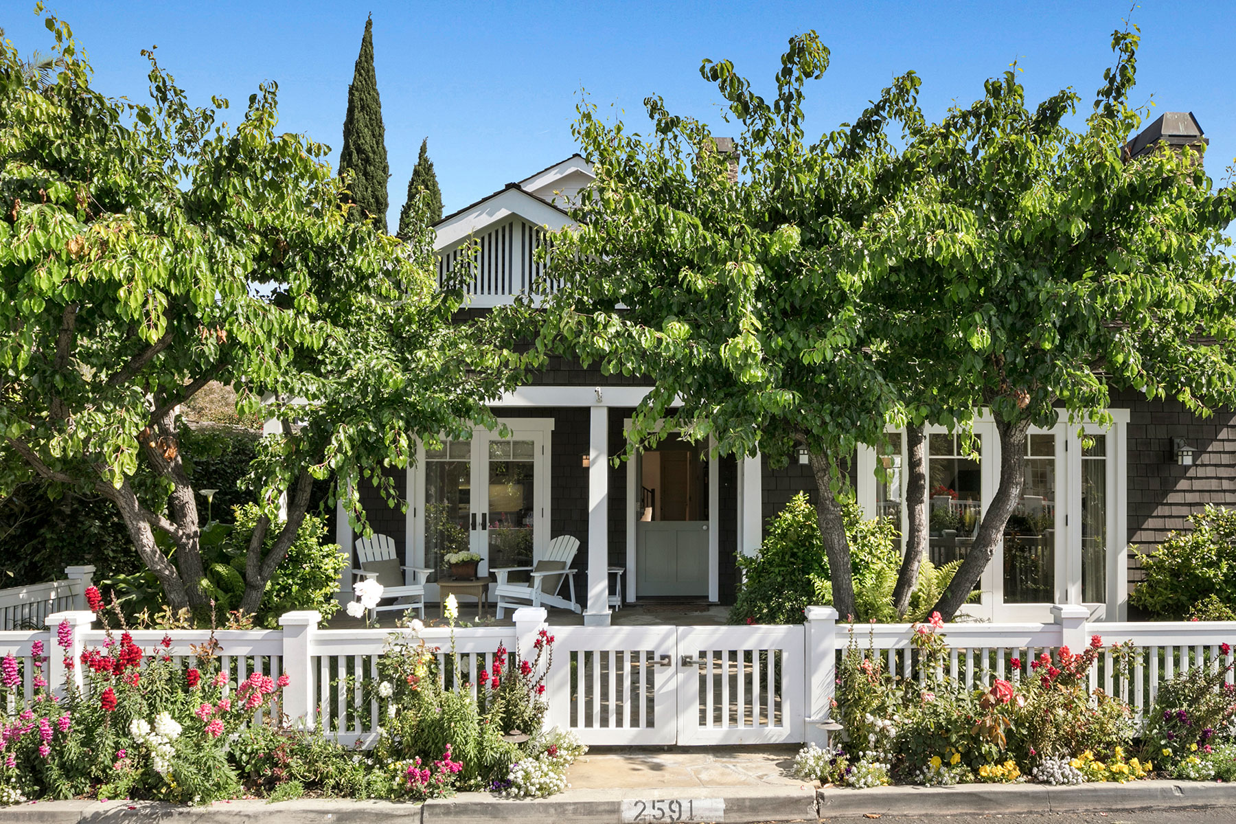 단독 가정 주택 용 매매 에 2591 Crestview Drive Newport Beach, 캘리포니아, 92663 미국