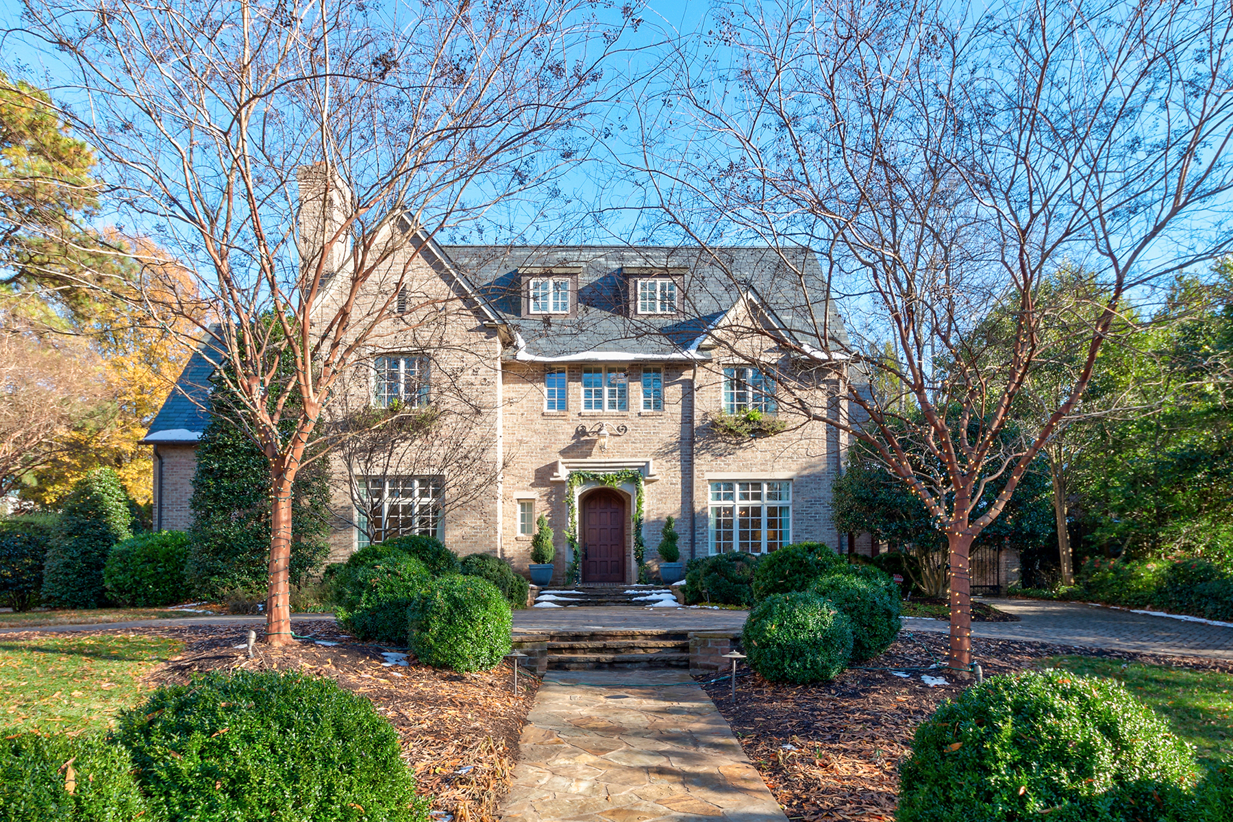 Single Family Home for Active at MYERS PARK 1711 Brandon Rd Charlotte, North Carolina 28207 United States