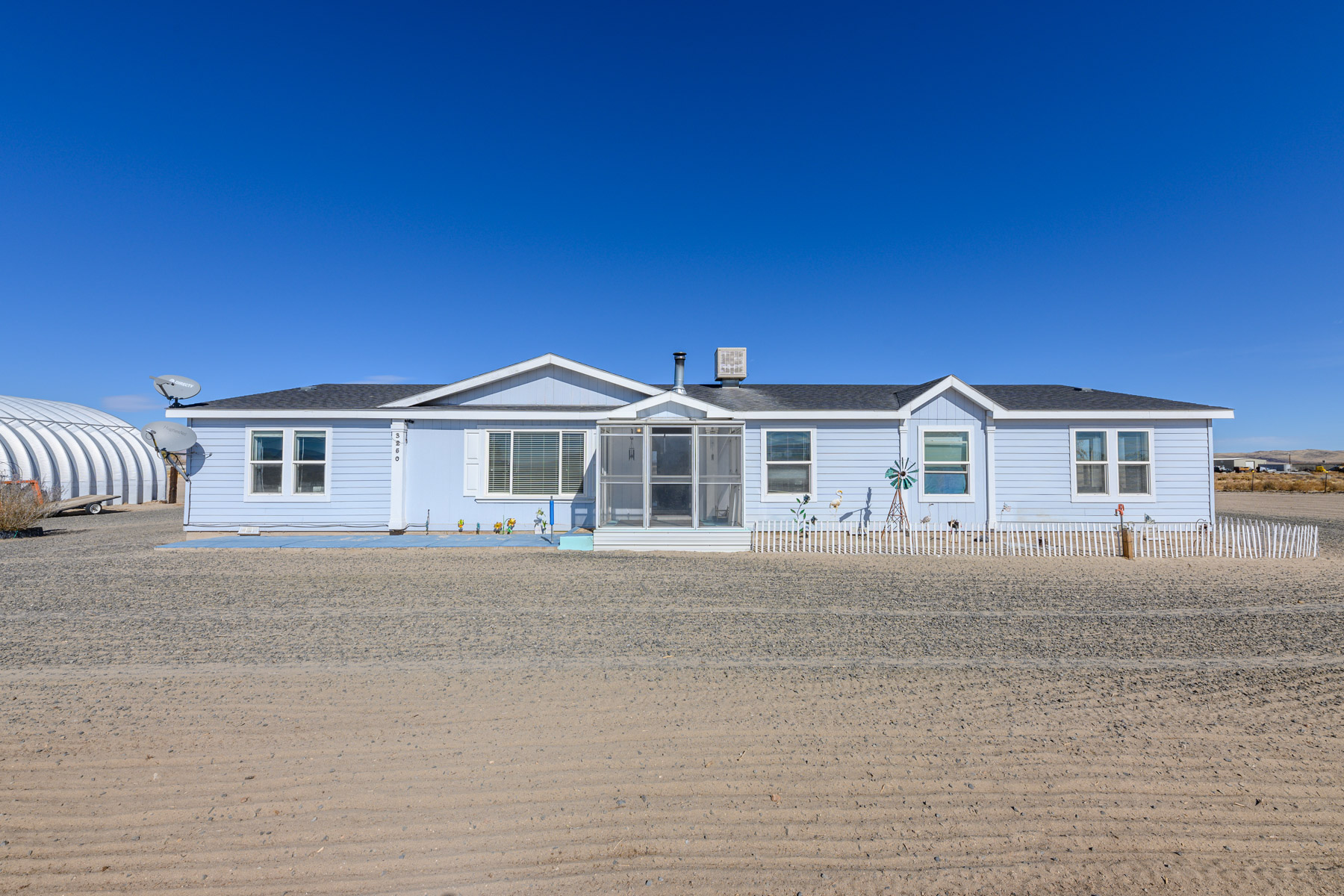Additional photo for property listing at 3250 East 4th Street, Silver Springs, NV 89429 3250 E 4th Street Silver Springs, 内华达州 89429 美国