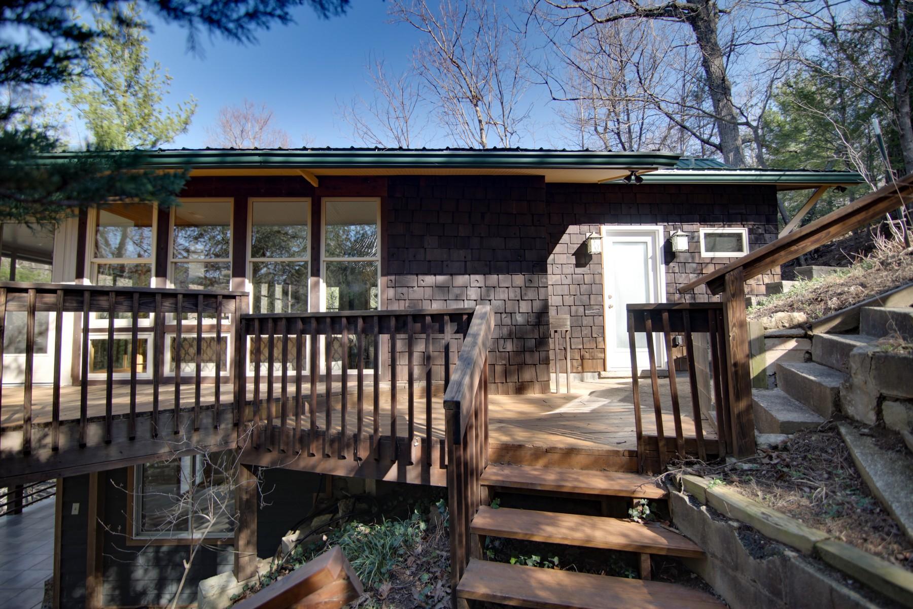 Casa Unifamiliar por un Venta en 126 Pirates Cove, Lake Lure, NC Lake Lure, Carolina Del Norte, 28746 Estados Unidos