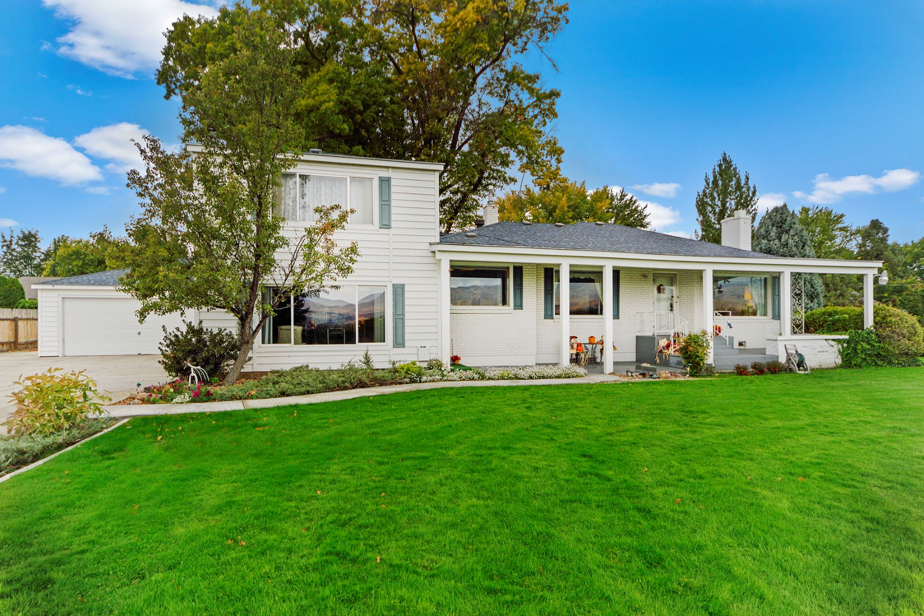 Single Family Homes for Sale at 3009 Mountain View Dr, Boise 3009 Mountain View Dr Boise, Idaho 83704 United States
