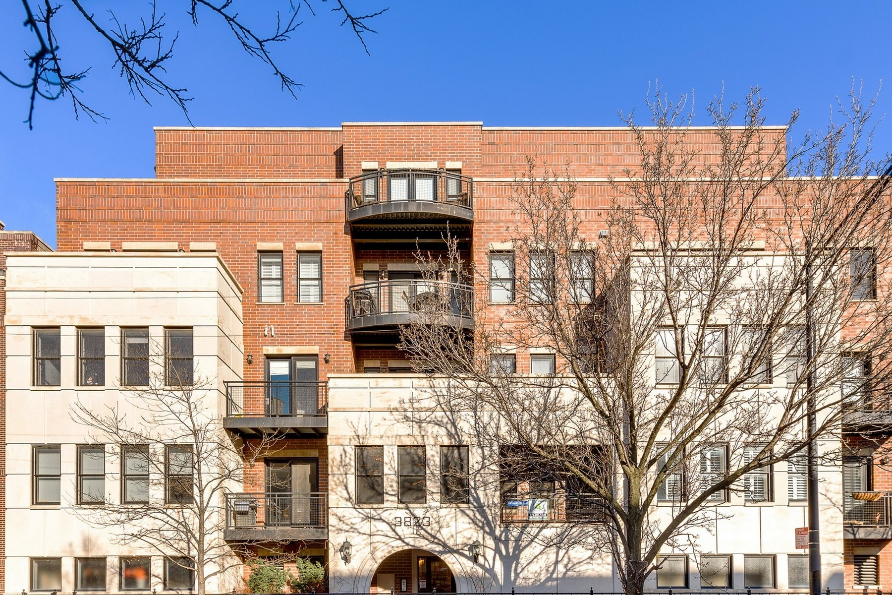 Кондоминиум для того Продажа на Oasis in the Southport Corridor 3823 N Ashland Avenue Unit 206, Lakeview, Chicago, Иллинойс, 60613 Соединенные Штаты