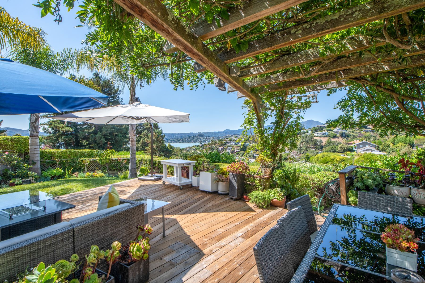Single Family Homes for Sale at Privacy Amongst Lush Gardens 39 Geldert Ct Tiburon, California 94920 United States