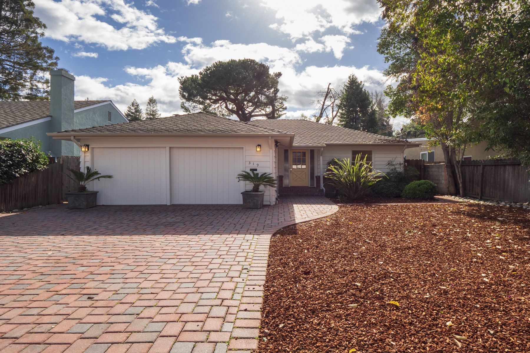 Single Family Home for Active at 319 Chester Street 319 Chester Street Menlo Park, California 94025 United States