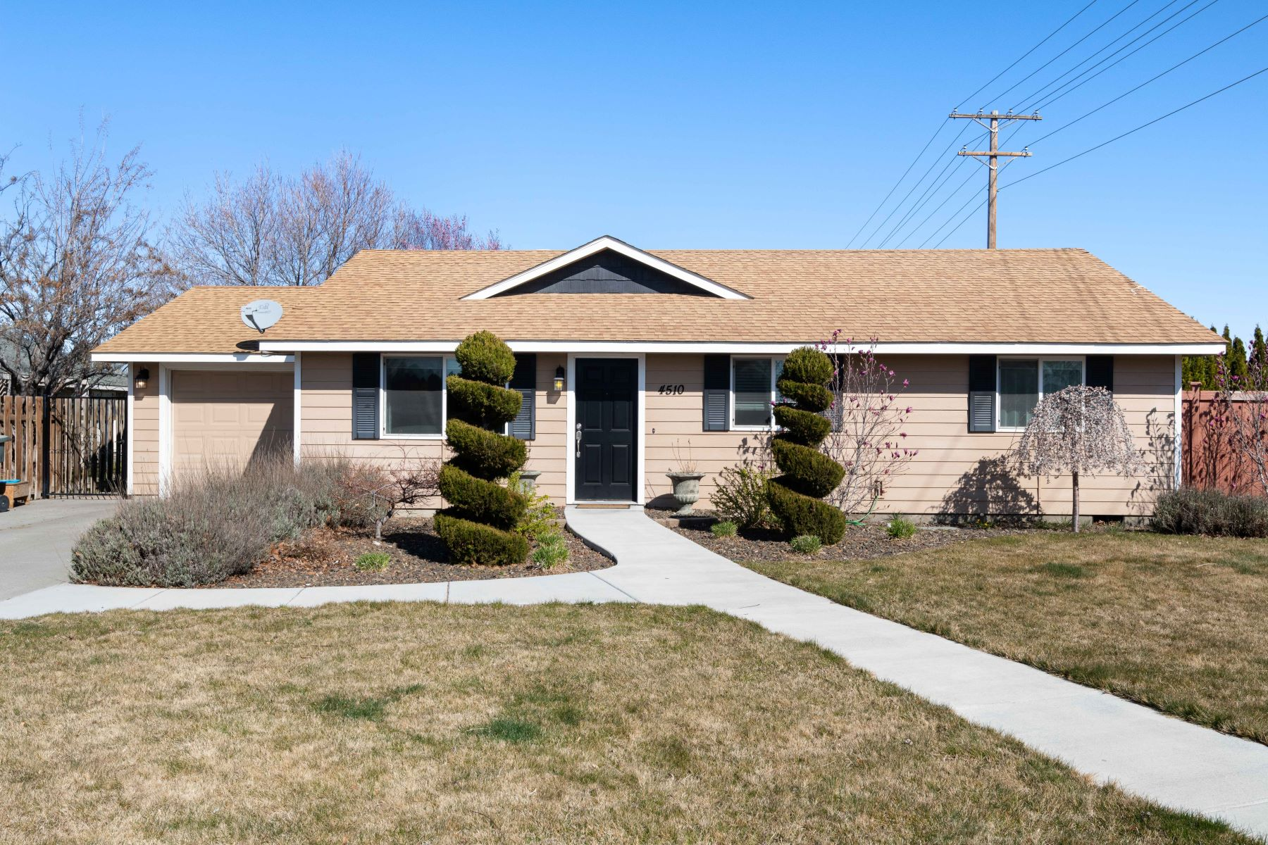 Single Family Homes for Sale at Incredibly Detailed 4510 Holly Way West Richland, Washington 99353 United States
