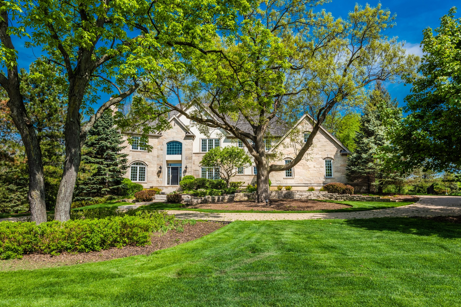 Single Family Homes for Active at Stately Stone Manor 83 S Wynstone Drive North Barrington, Illinois 60010 United States