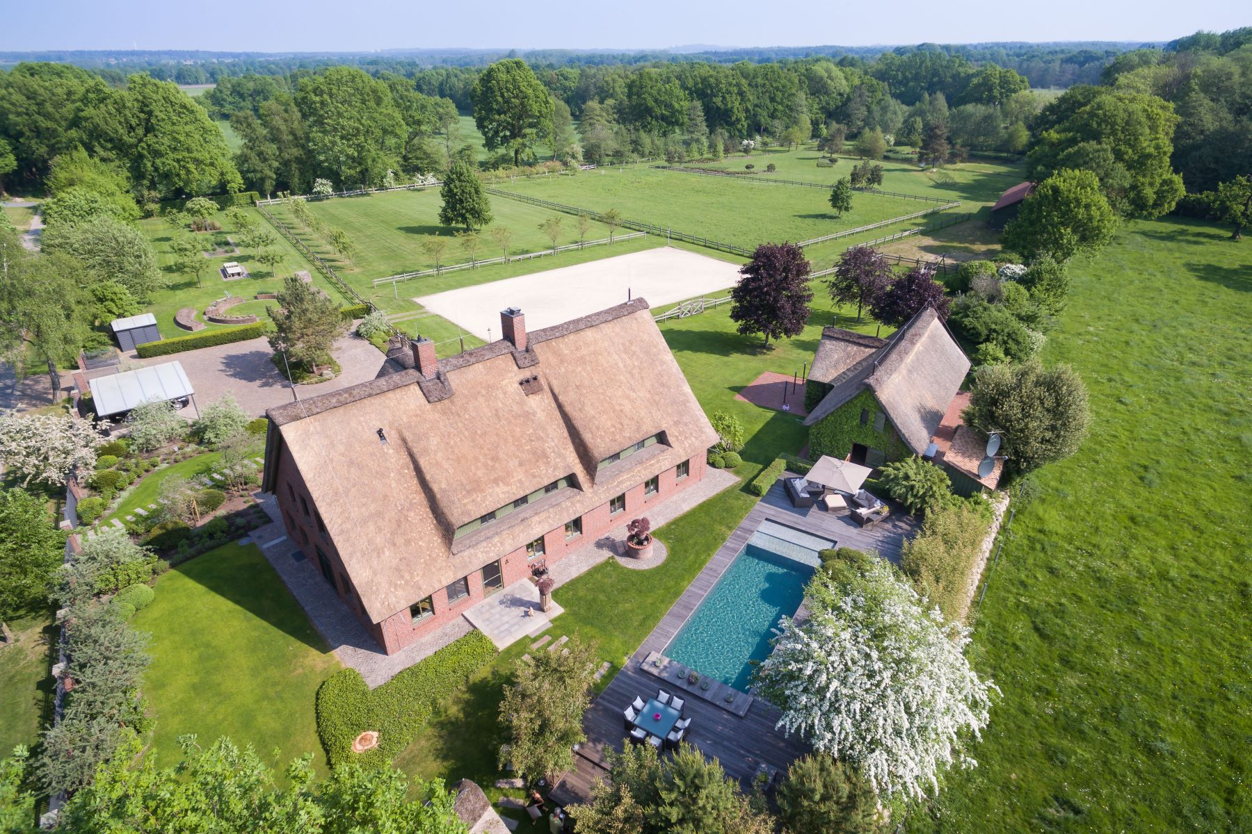 Single Family Home for Sale at Luxurious equestrian hideaway Other Lower Saxony, Lower Saxony 21717 Germany