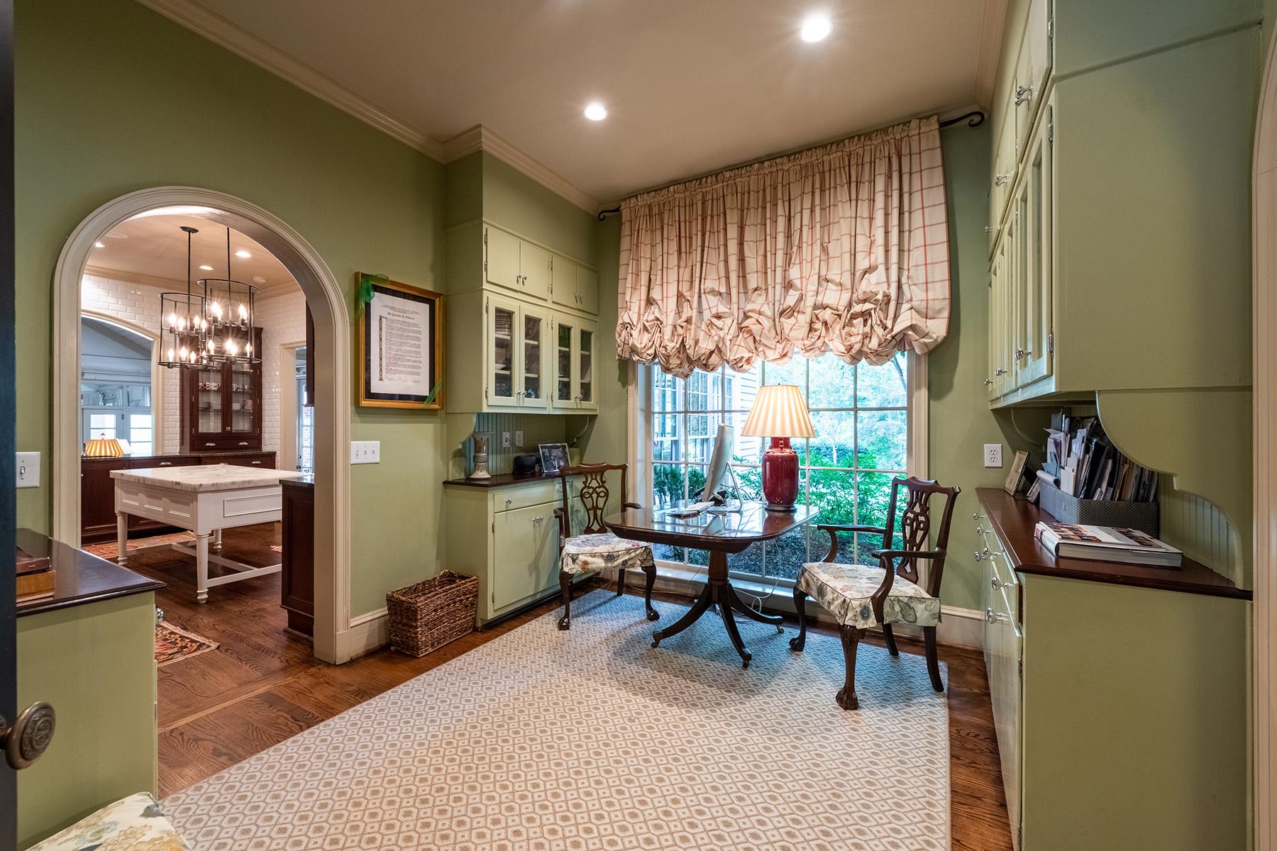 Additional photo for property listing at Historic Buckhead Private Estate 2645 Howell Mill Road, Atlanta, Georgia 30327 Estados Unidos