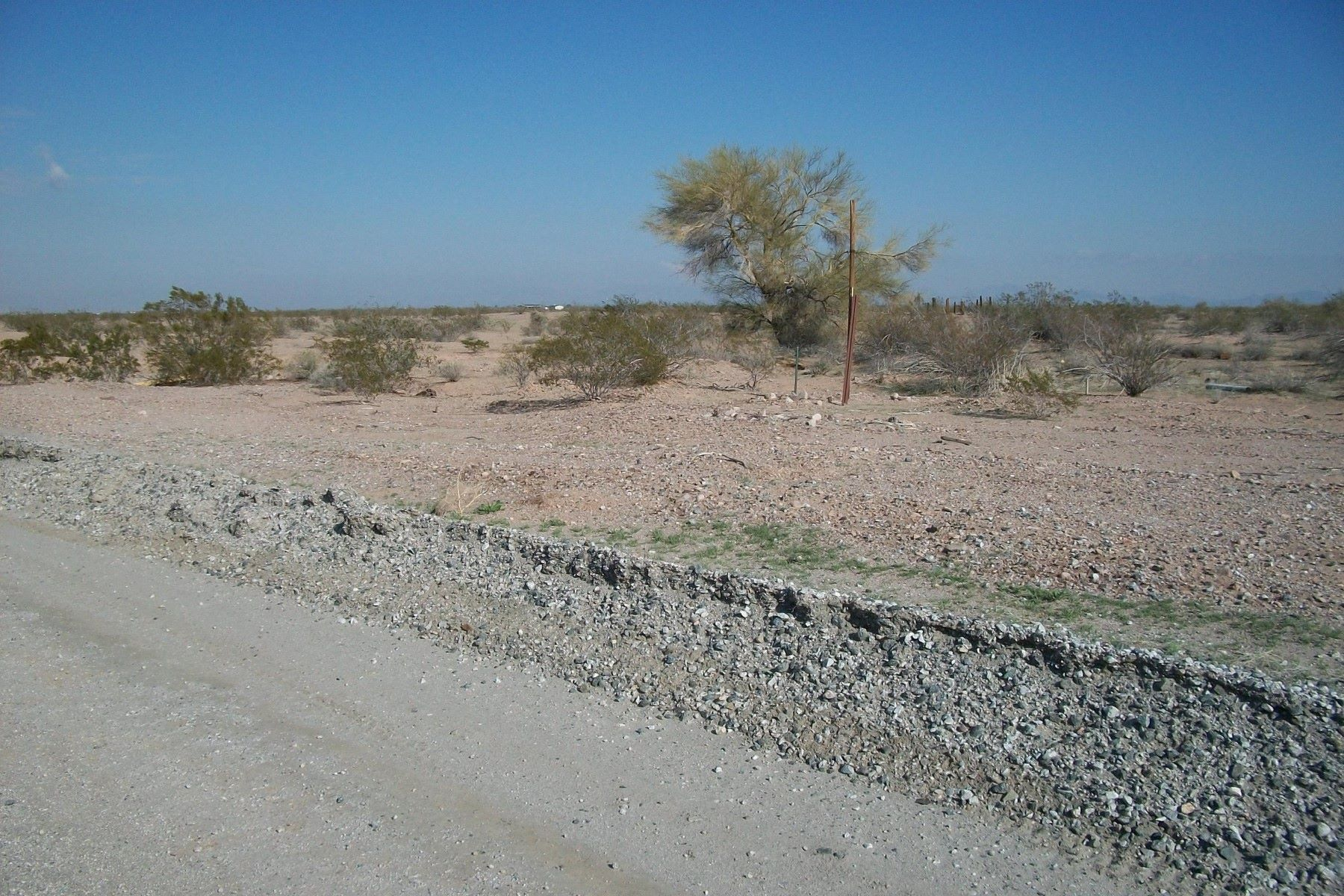 Land for Active at Lovely vacant lot in Gila Bend 0 CEMETARY RD 0 Gila Bend, Arizona 85337 United States