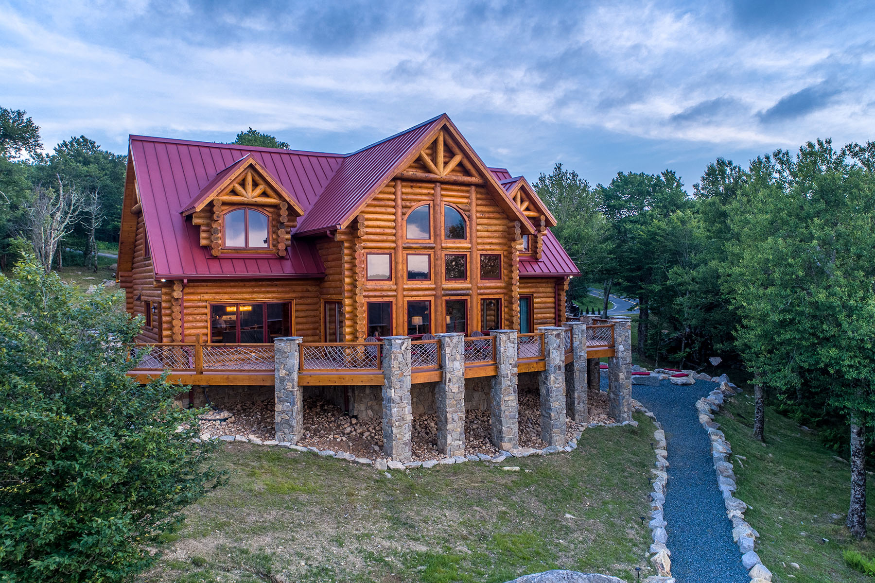 Single Family Homes for Sale at BEECH MOUNTAIN - EMERALD MOUNTAIN 112 Oz Cir Beech Mountain, North Carolina 28604 United States