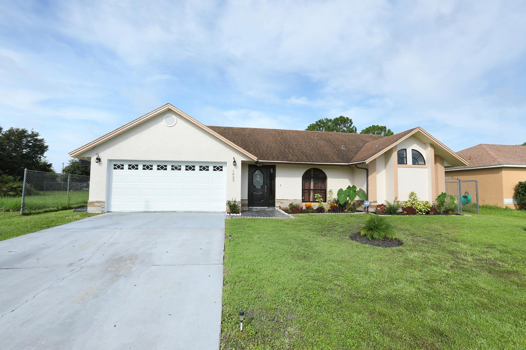 Single Family Homes für Verkauf beim KISSIMMEE 1025 Derbyshire Dr, Kissimmee, Florida 34758 Vereinigte Staaten