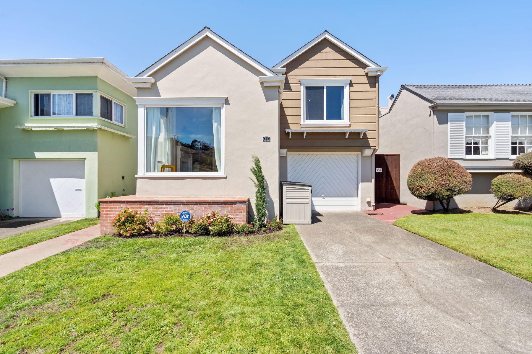 Single Family Homes por un Venta en New Listing in the Heart of the Peninsula 49 Sheffield Drive Daly City, California 94015 Estados Unidos