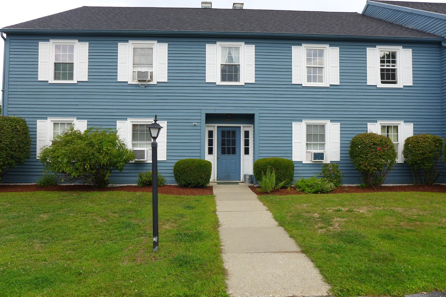 Condominiums for Sale at 170 North Twin Oaks Terrace 170, South Burlington 170 North Twin Oaks Terr 170 South Burlington, Vermont 05403 United States