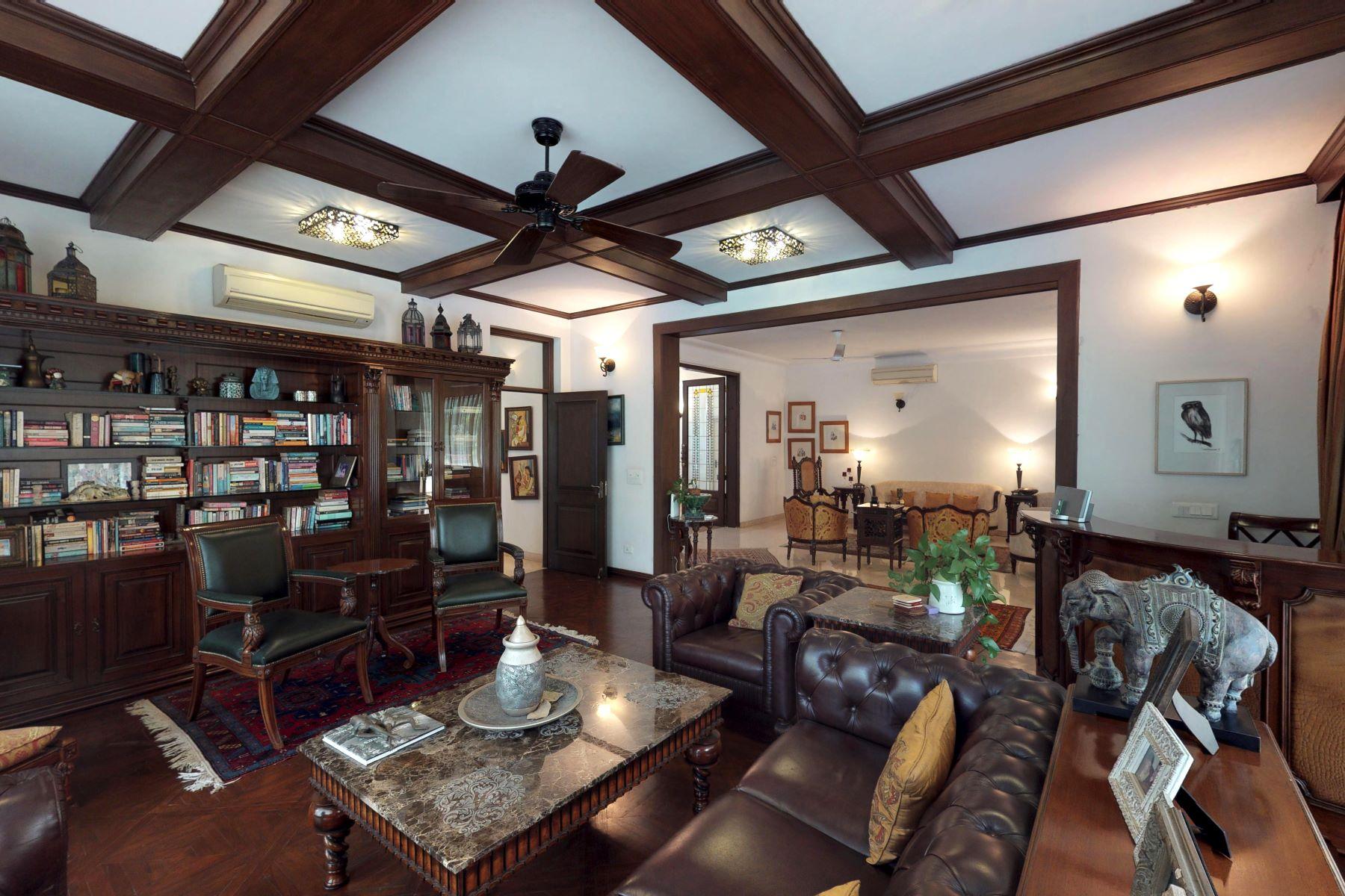 Additional photo for property listing at Farmhouse in Chattarpur Chattarpur New Delhi, Delhi 110030 India