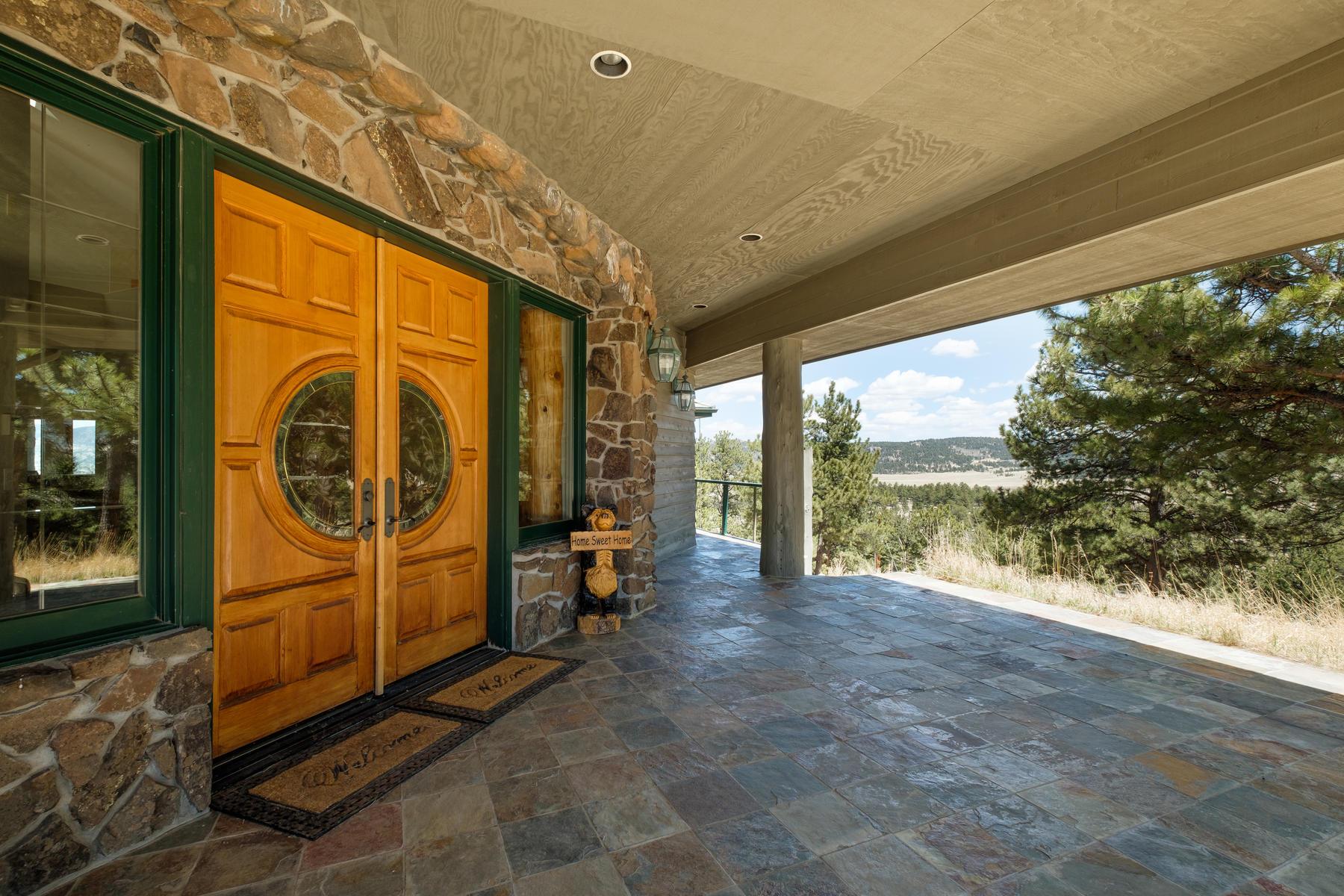 Casa Unifamiliar por un Venta en 5681 Co Road 59 5681 Co Road 59 Florissant, Colorado 80816 Estados Unidos