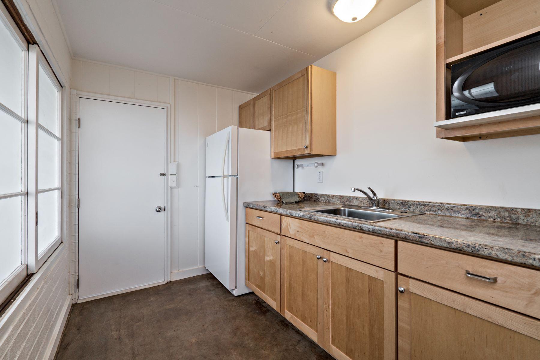 Additional photo for property listing at Diamond Head and Ocean Views 3955-B Koko Drive #2 Honolulu, Hawaii 96816 United States