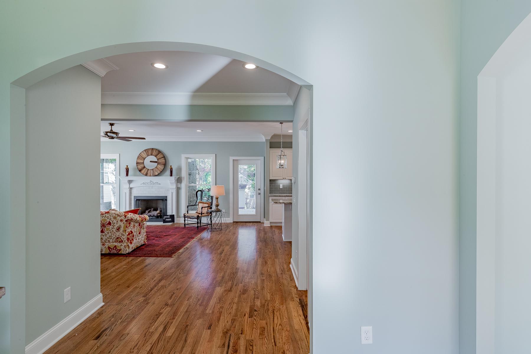 Villa per Vendita alle ore 403 Watts Avenue Greenville, Carolina Del Sud, 29601 Stati Uniti