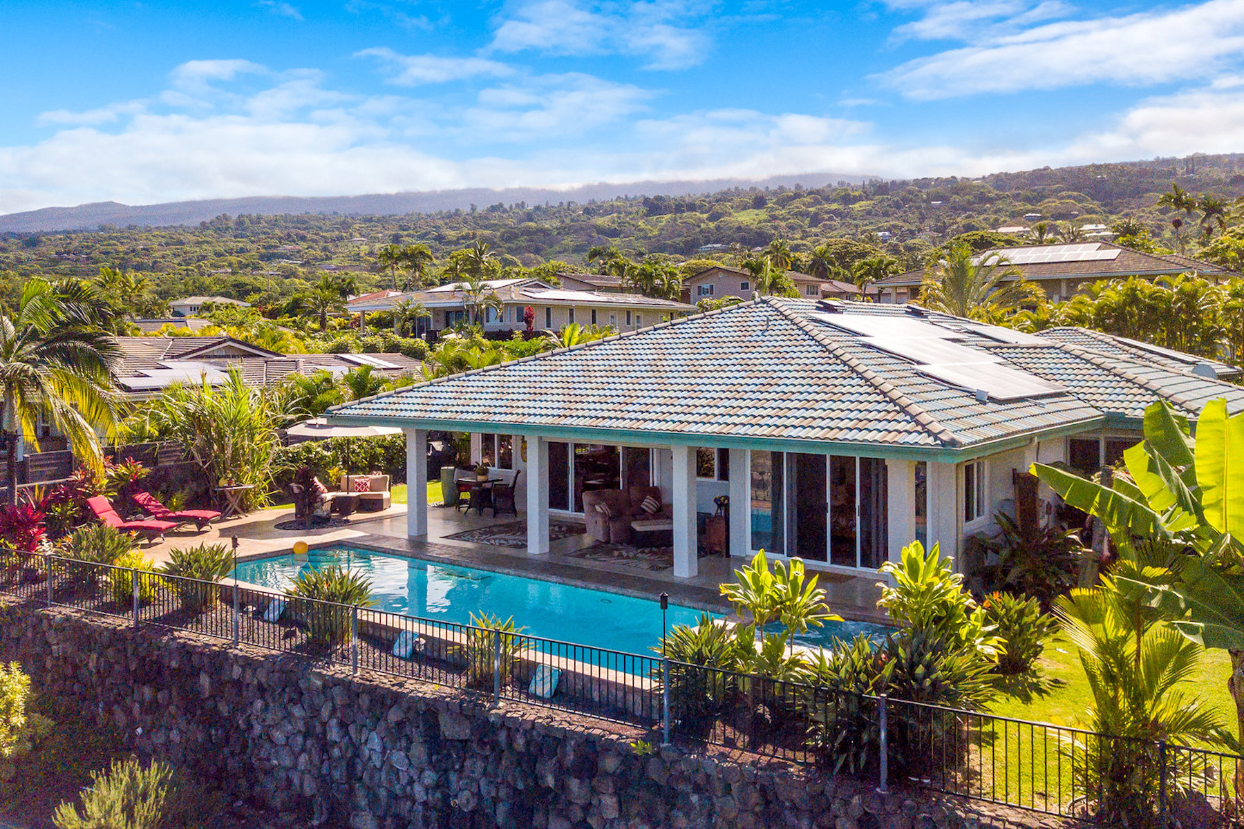 Single Family Homes 용 매매 에 Unique Estate Residence 75-5616 Hienaloli Rd, Kailua-Kona, 하와이 96740 미국
