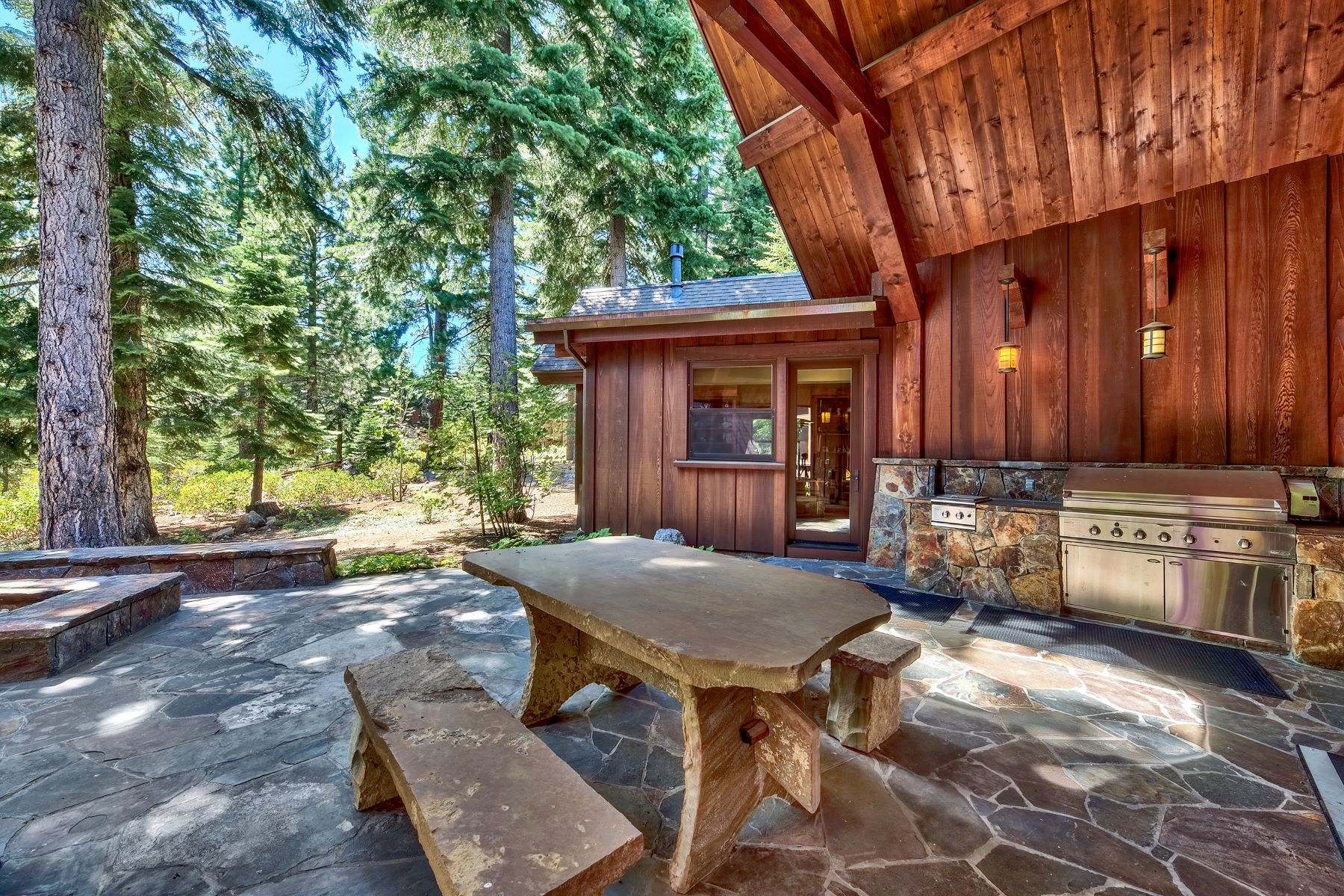 Additional photo for property listing at 1736 Grouse Ridge Road, Truckee 1736 Grouse Ridge Road Truckee, California 96161 Estados Unidos
