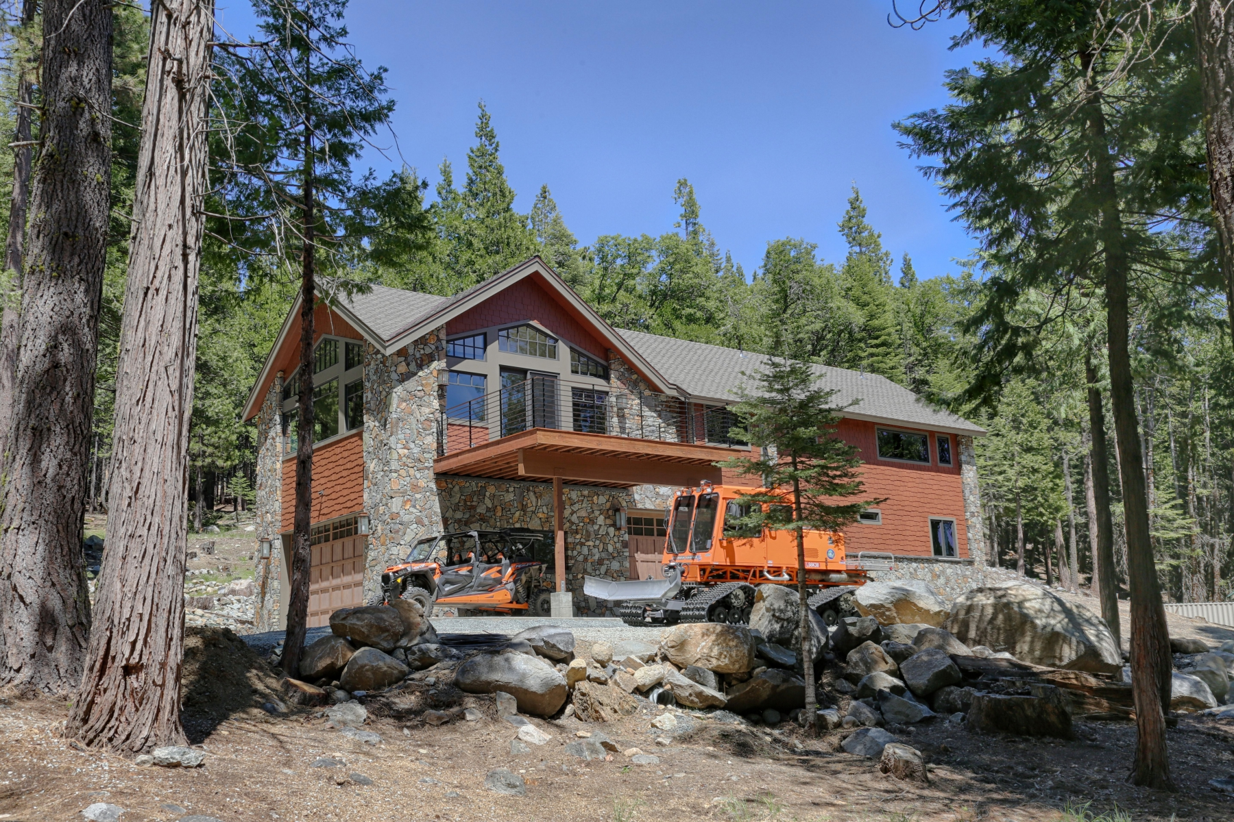 Casa Unifamiliar por un Venta en 37255 Obsidian Way, Soda Springs, California 95728 Soda Springs, California 95728 Estados Unidos
