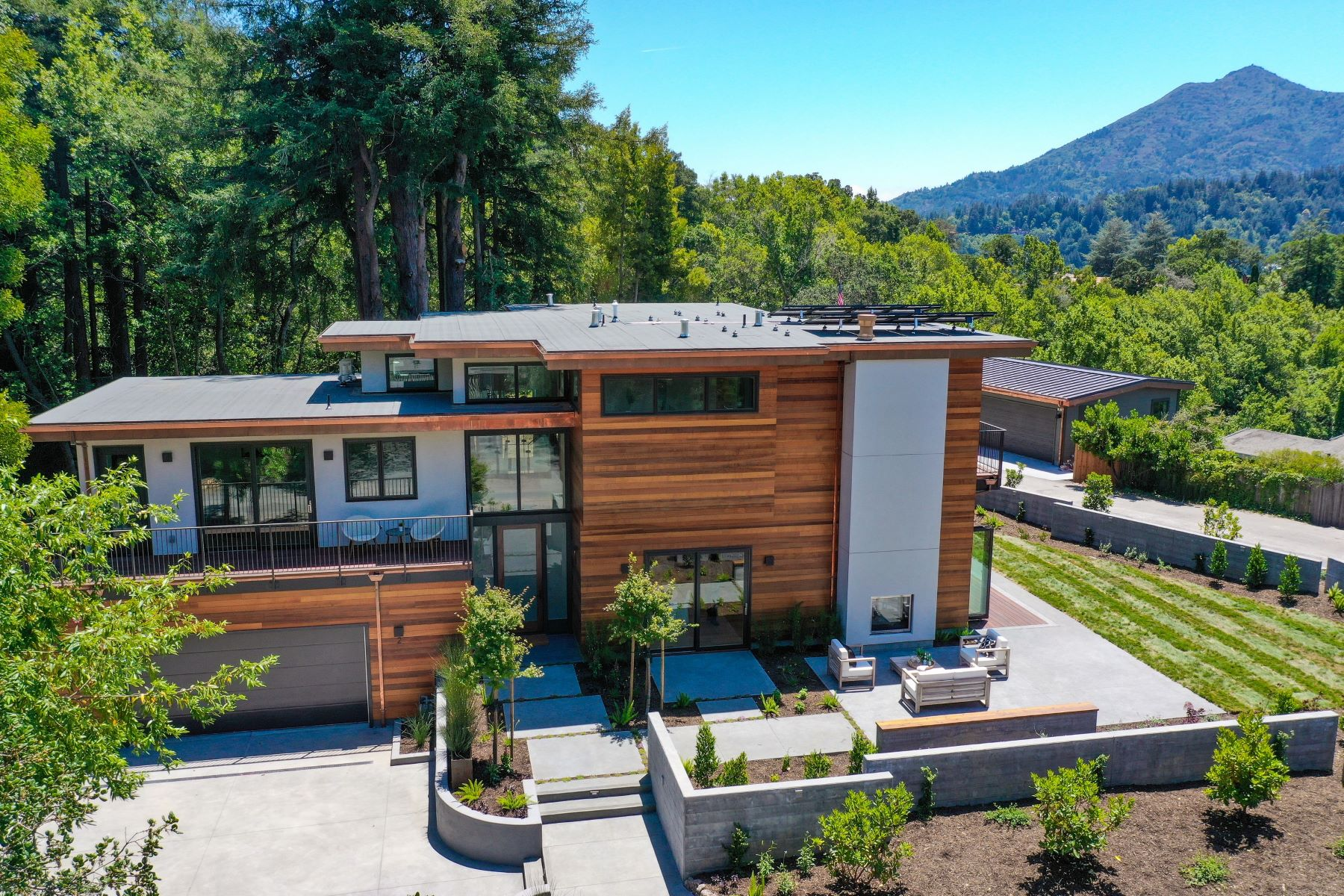 Single Family Homes for Sale at Just Built Modern View home with studio unit on .43 acre lot in Ross! 2 Crest Road Ross, California 94957 United States