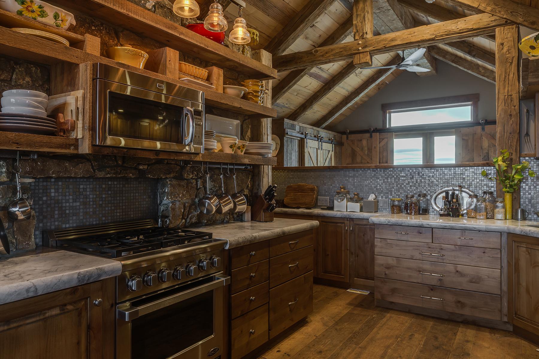 واحد منزل الأسرة للـ Sale في Exquisite Alta Guest Home 950 W LOIS LANE,, Alta, Wyoming, 83414 Jackson Hole, United States
