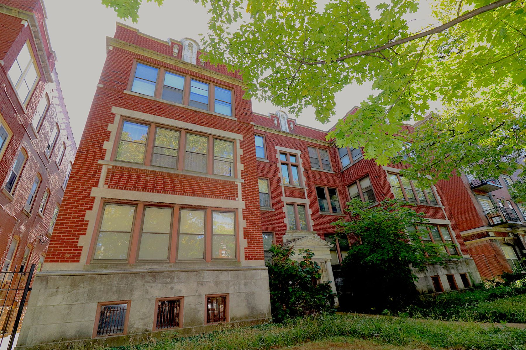 Condominium for Sale at Pershing Ave 5398 Pershing Ave # 3# St. Louis, Missouri 63112 United States