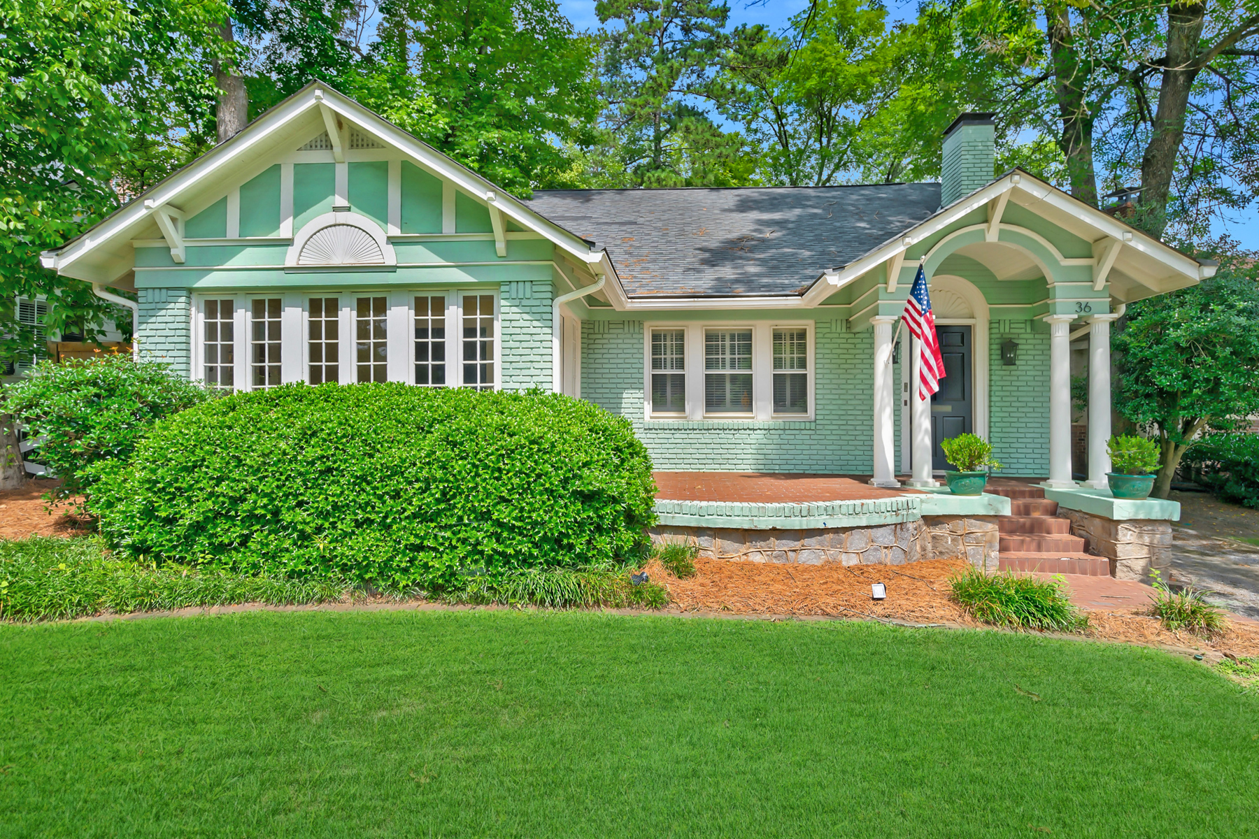 Single Family Homes für Verkauf beim Located Directly Across The Street From Ansley Golf Course 36 Polo Drive NE Atlanta, Georgia 30309 Vereinigte Staaten