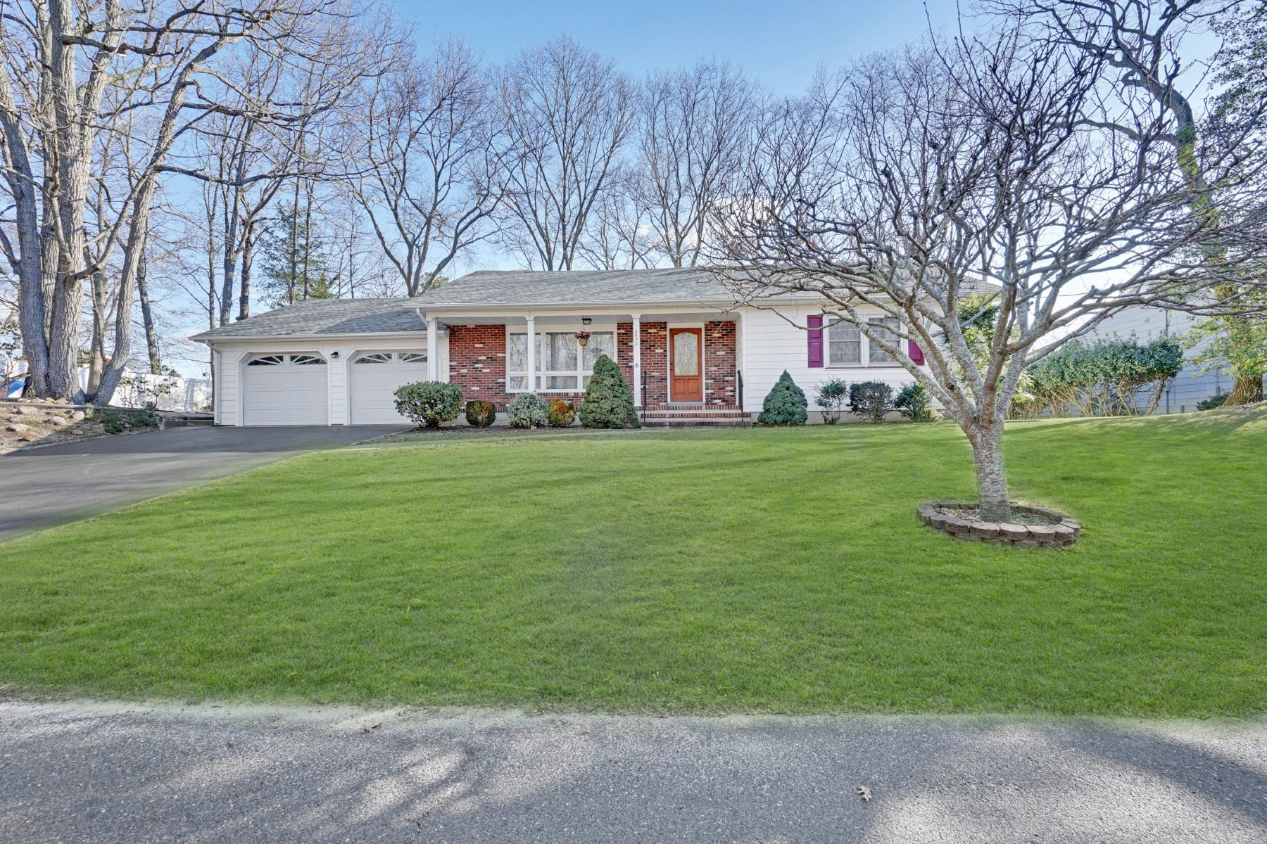 Single Family Home for Sale at Desirable Manasquan Park Ranch 2422 Sycamore Street, Wall, New Jersey 08736 United States