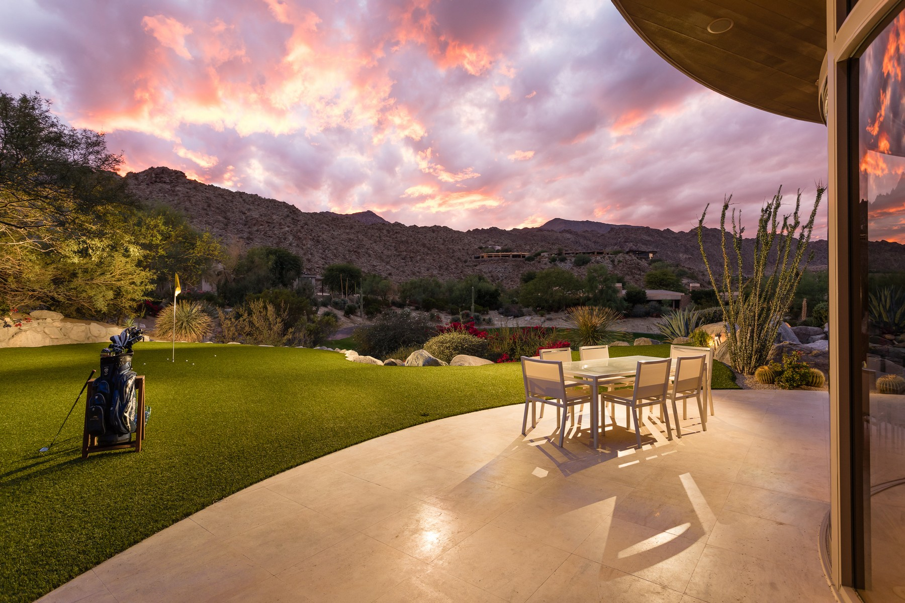 Single Family Homes for Active at 173 Tamit Place Palm Desert, California 92260 United States