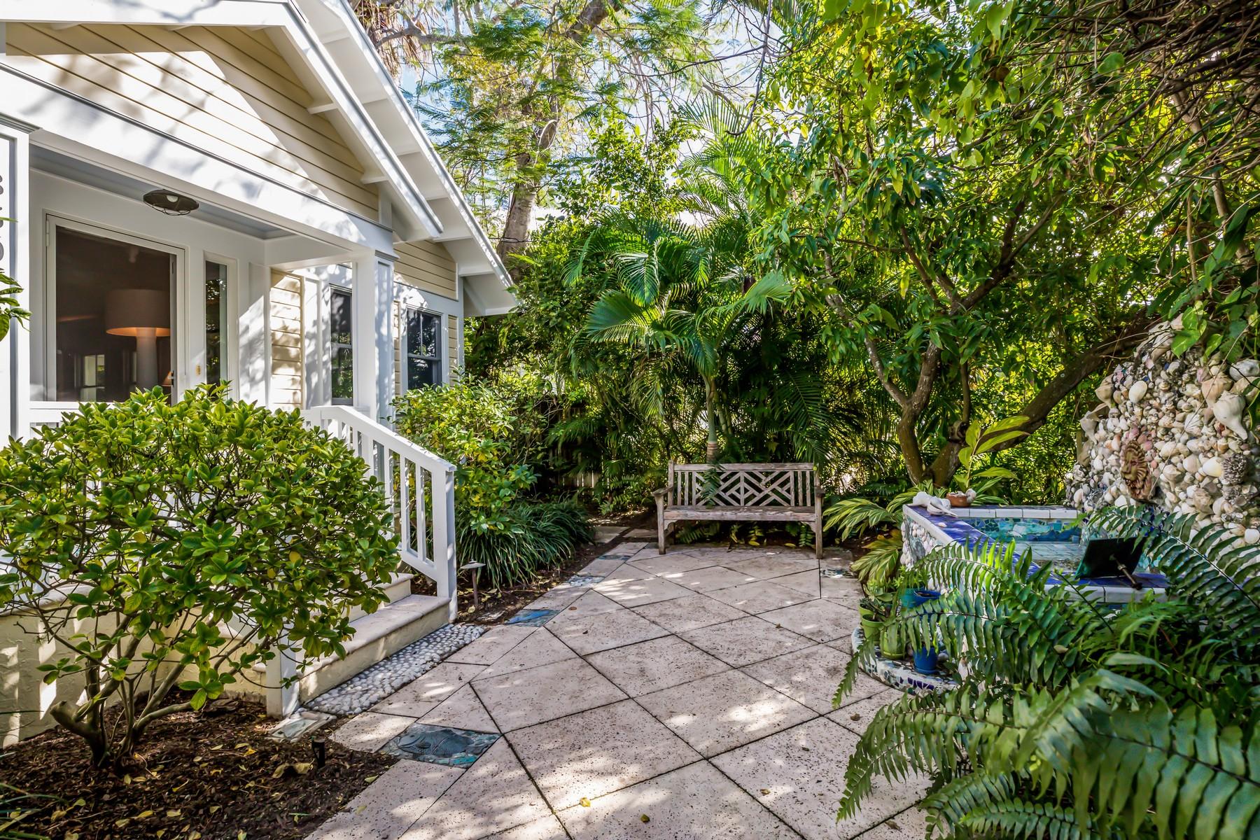 single family homes for Active at 350 Tarpon Avenue Boca Grande, Florida 33921 United States