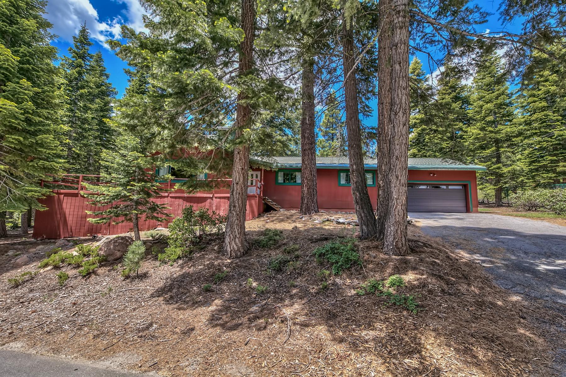 Μονοκατοικία για την Πώληση στο 4575 North Ridge Road, Carnelian Bay CA, 96140 4575 North Ridge Road Carnelian Bay, Καλιφορνια 96140 Ηνωμενεσ Πολιτειεσ