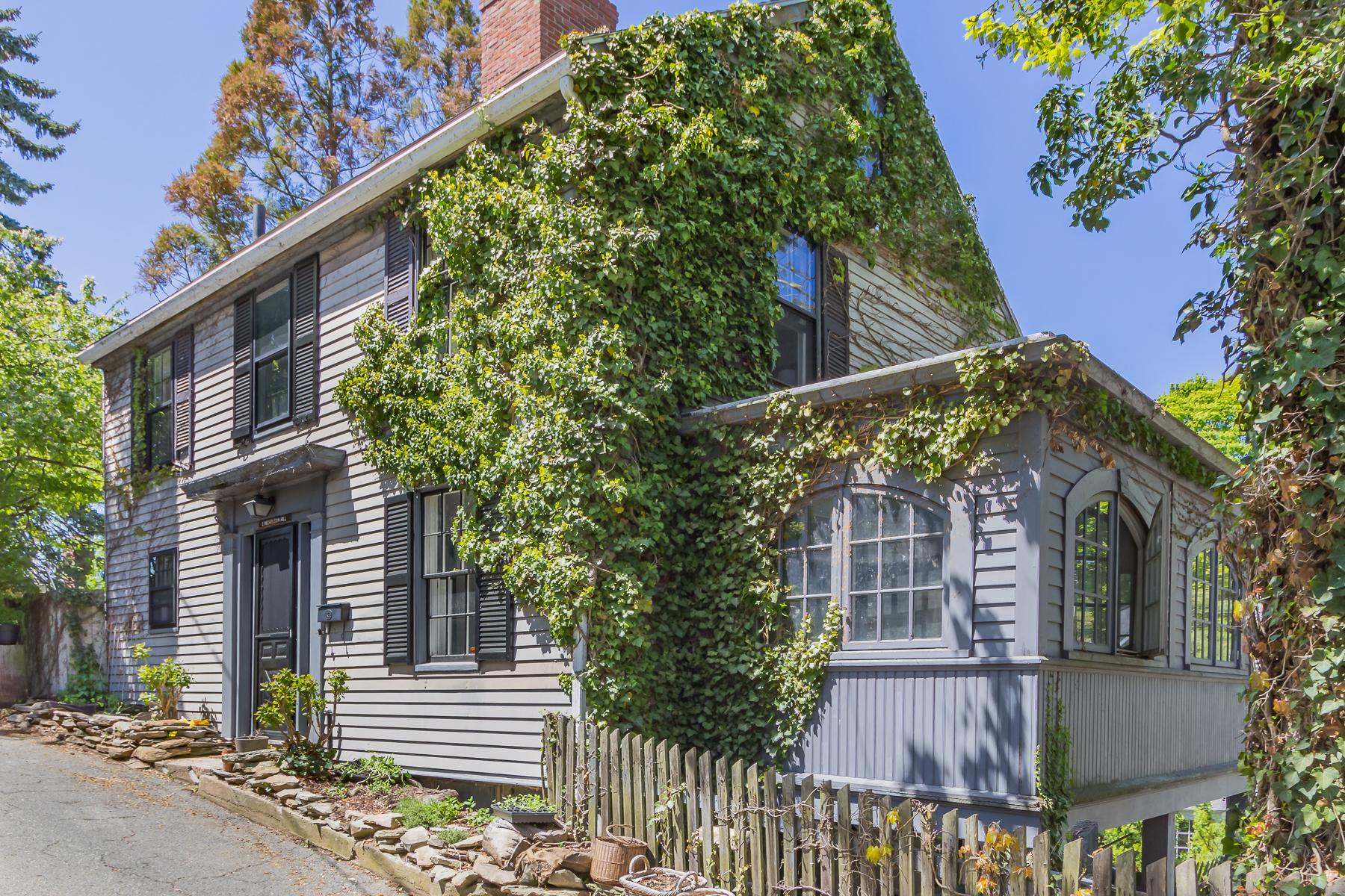 Casa Unifamiliar por un Venta en Historic Colonial 1 Nicholson Hill Marblehead, Massachusetts, 01945 Estados Unidos
