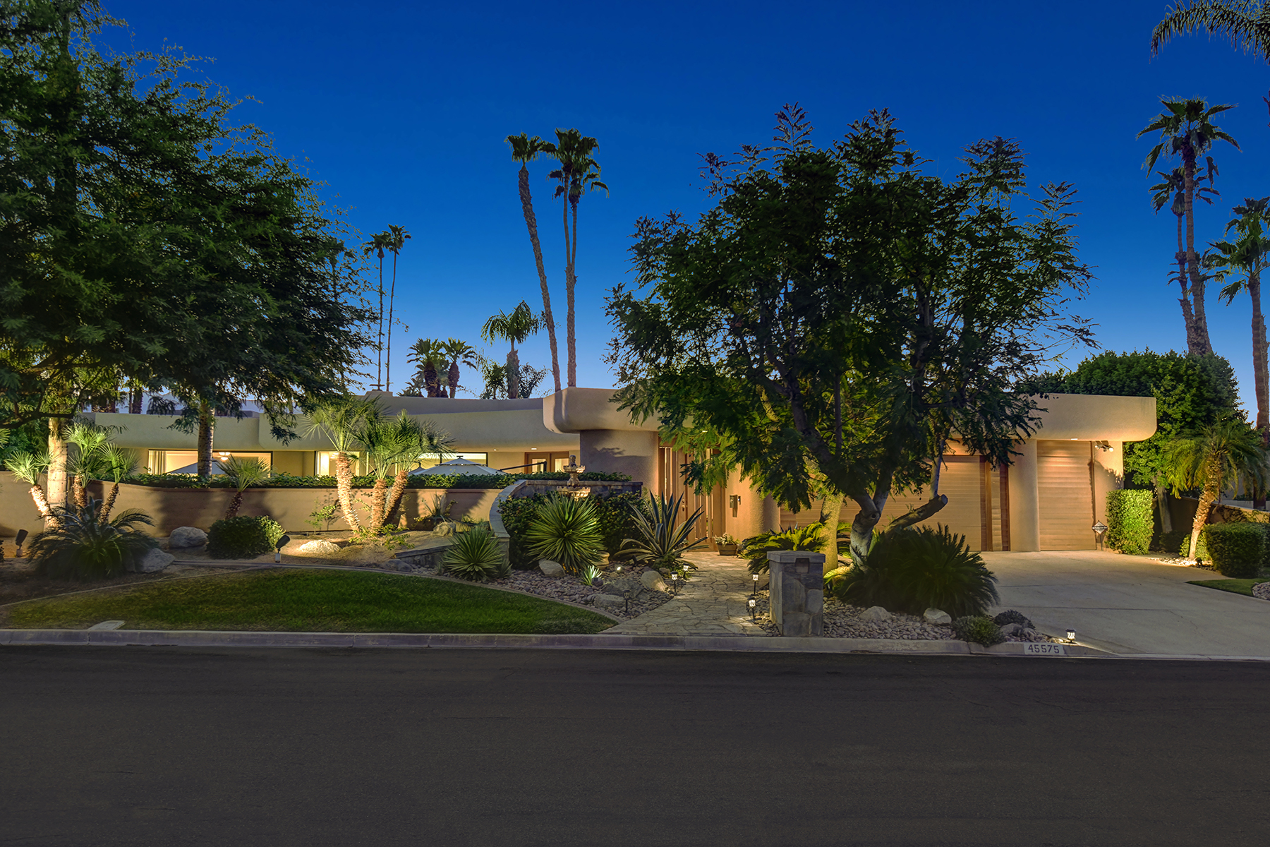 Single Family Homes for Sale at 45575 Alta Colina Way Indian Wells, California 92210 United States