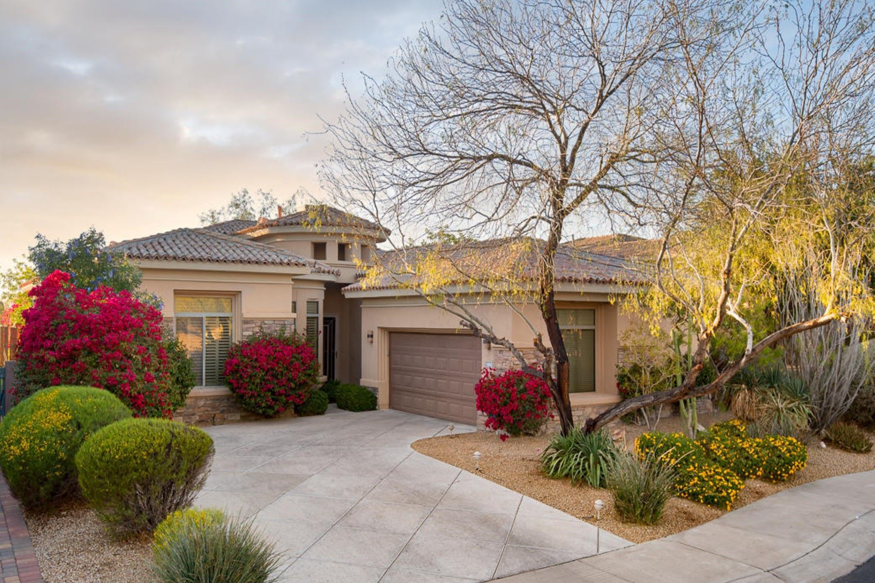 Single Family Home for Sale at Wonderful Single Family Home on the Talon Golf Course at Grayhawk 19892 N 84th St, Scottsdale, Arizona, 85255 United States