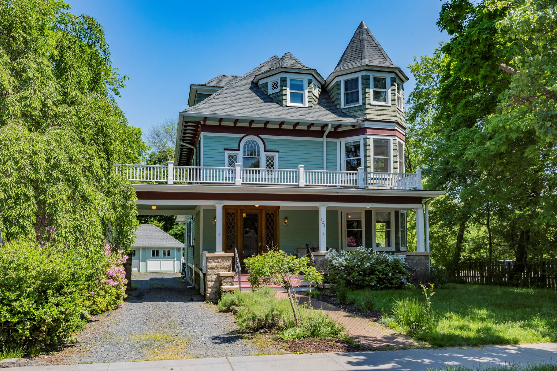 Single Family Home for Sale at Handsome Victorian in Rocky Hill 122 Washington Street, Rocky Hill, New Jersey 08553 United StatesMunicipality: Rocky Hill Borough