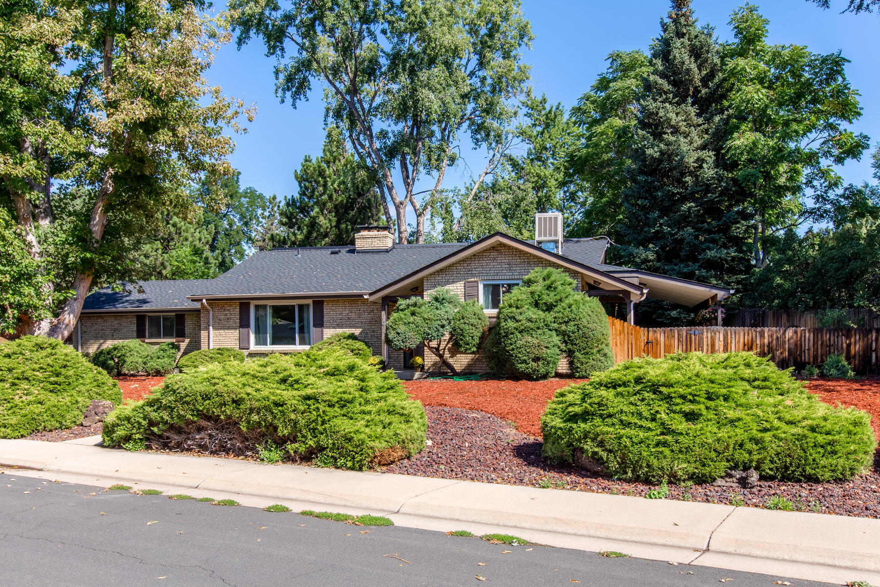 Single Family Homes for Active at Fantastic Opportunity to Own a Beautiful Home in the Heart of Wheat Ridge 7105 W 34th Place Wheat Ridge, Colorado 80033 United States