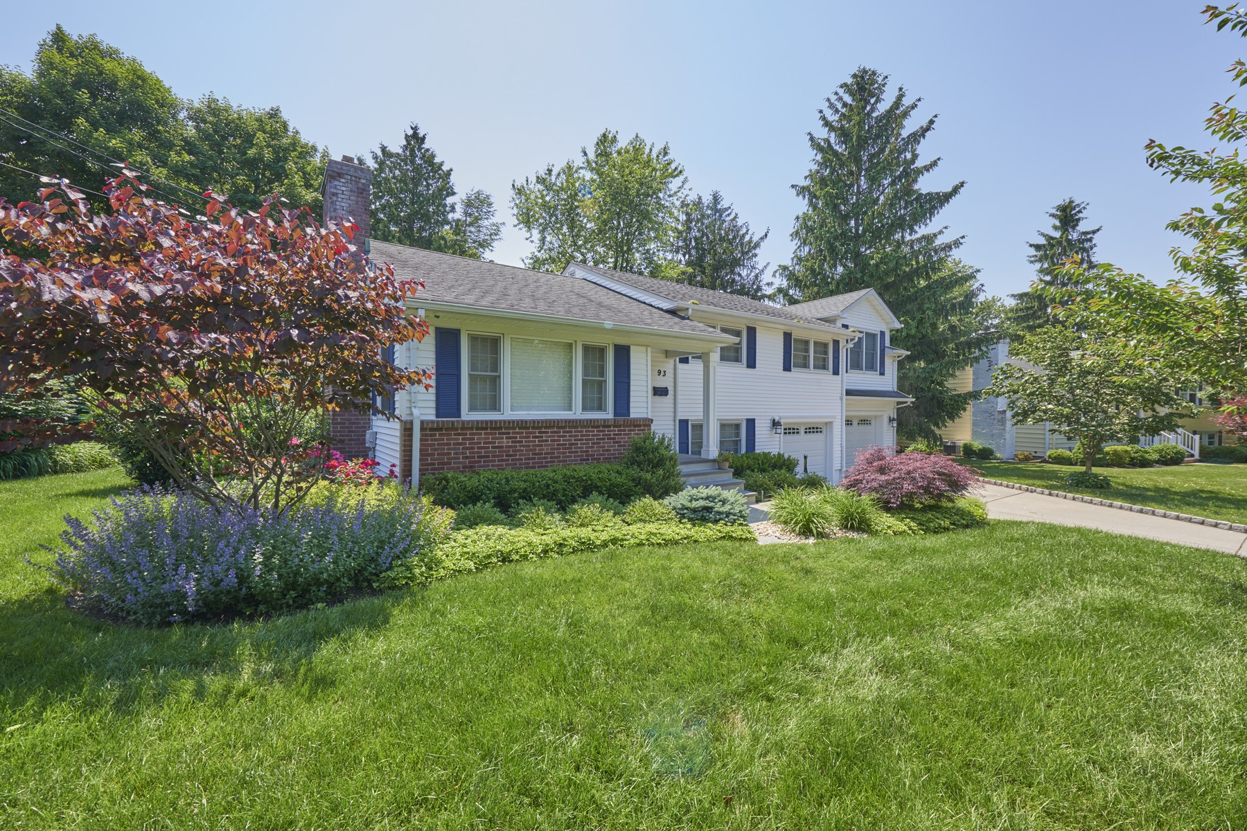 Single Family Homes for Sale at River Oaks Charmer 93 Spruce Drive Fair Haven, New Jersey 07704 United States