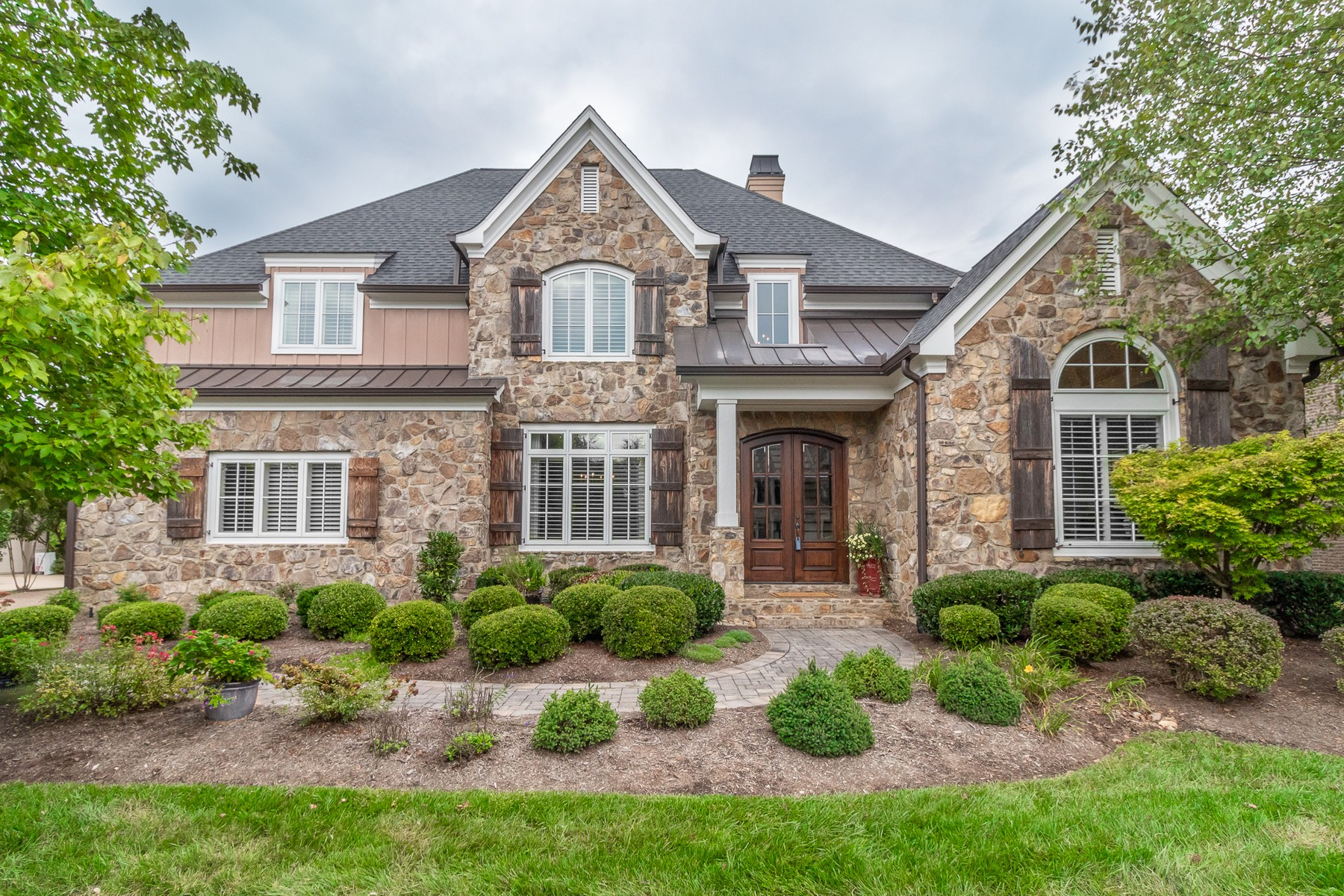 Single Family Home for Sale at Sophisticated Elegance 1110 Anthem View Way Knoxville, Tennessee 37922 United States