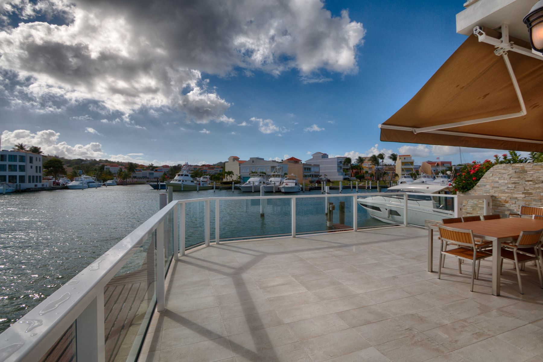Additional photo for property listing at Modern Fully Furnished Villa on the Marina 40 Isla San Miguel San Miguel Island Palmas Del Mar, Puerto Rico 00791 Porto Rico