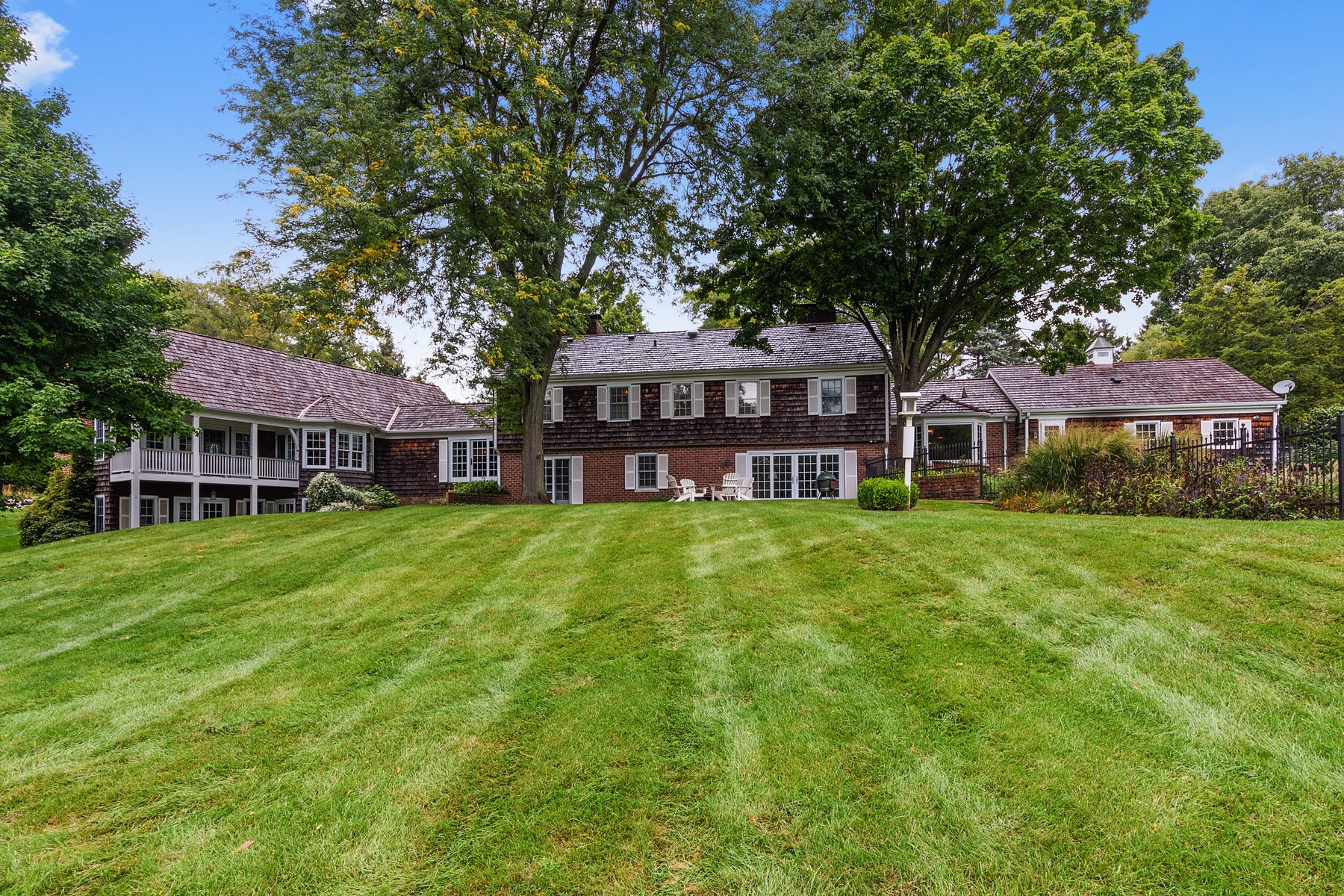 Additional photo for property listing at Country chic home 366 S Bateman Circle, Barrington Hills, Illinois 60010 Verenigde Staten