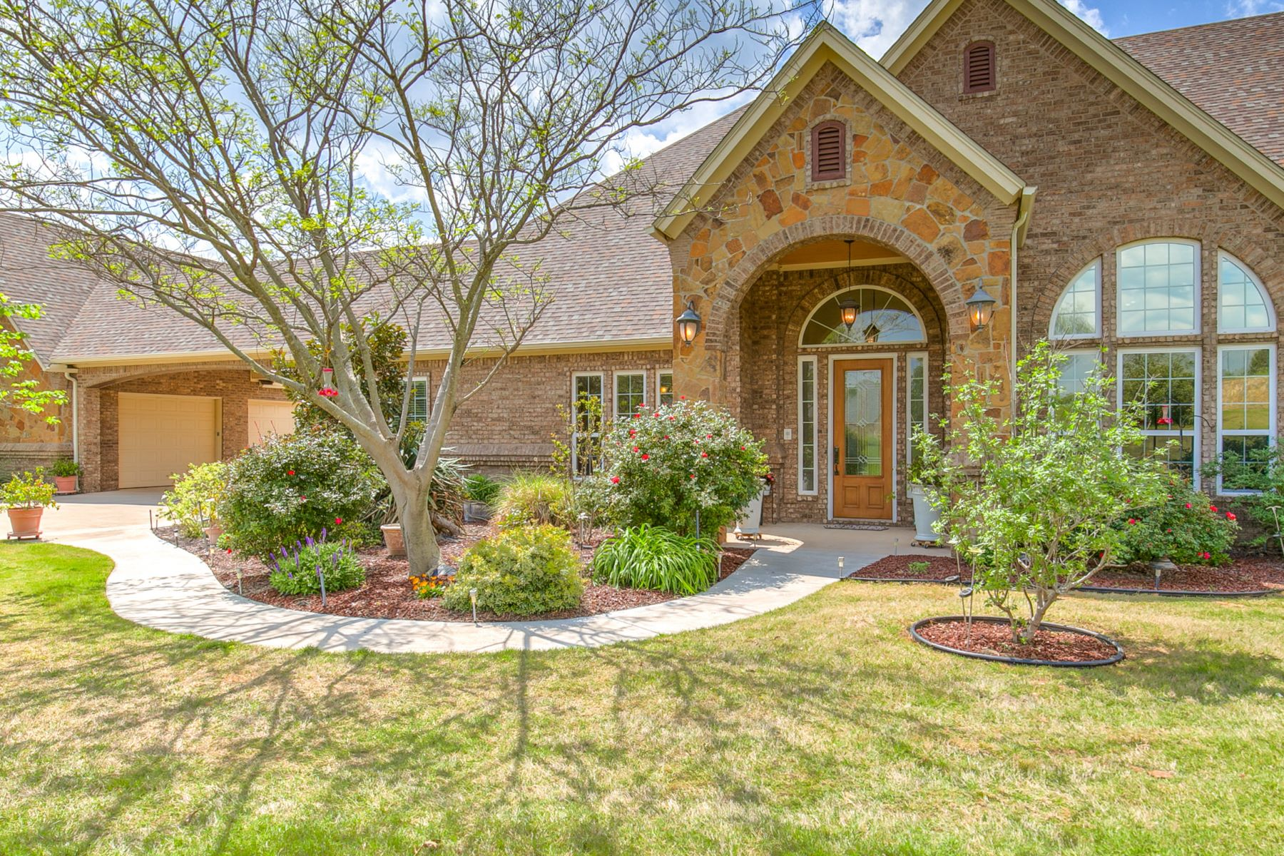 Single Family Homes for Sale at Weatherford, Texas 76087 United States