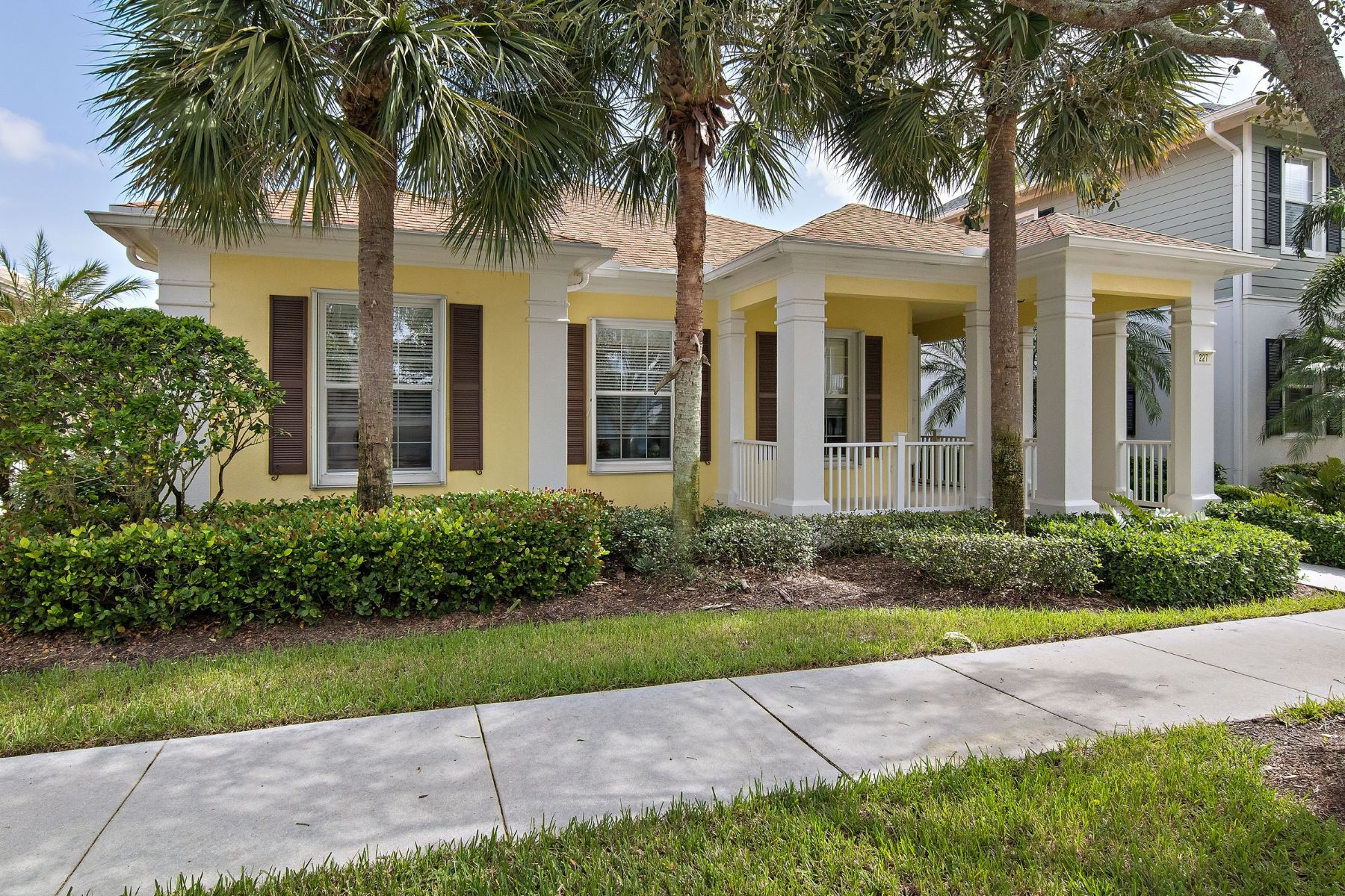 Single Family Home for Sale at 227 Caravelle Drive 227 Caravelle Drive Jupiter, Florida 33458 United States
